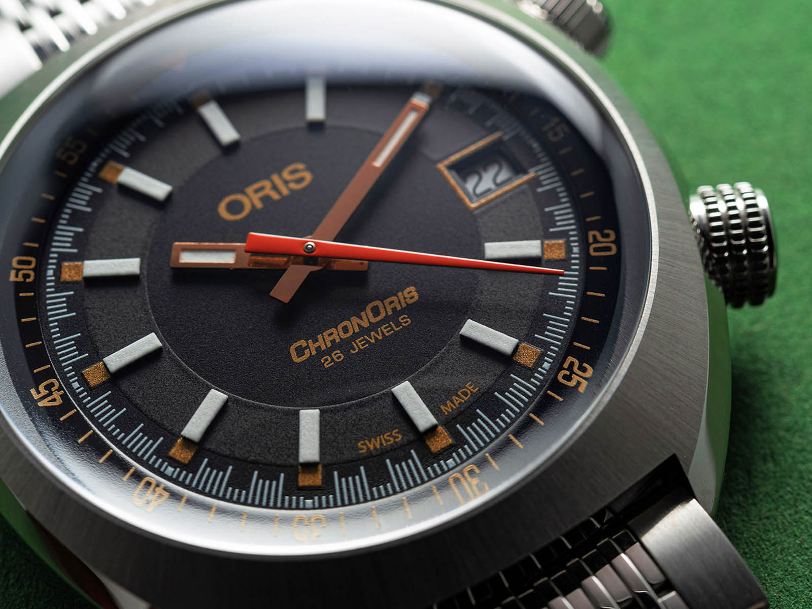 01-733-7737-4034-set-mb-oris-chronoris-movember-edition-2019-3.jpg