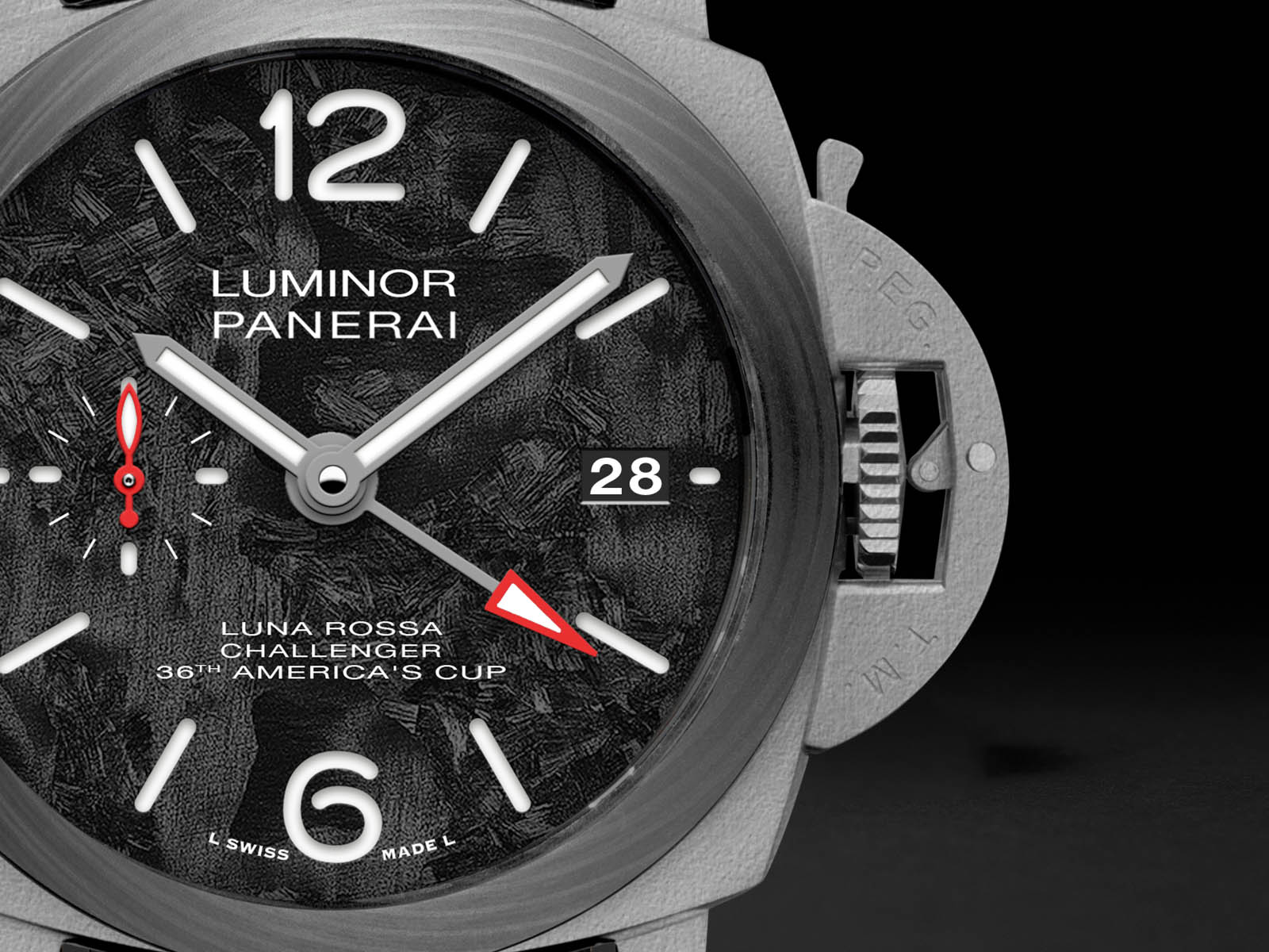 pam01096-panerai-luminor-luna-rossa-gmt-42mm-4.jpg