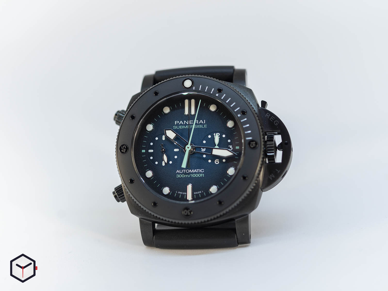 pam00983-officine-panerai-submersible-chrono-guillaume-nery-edition-47mm-sihh-2019-1.jpg