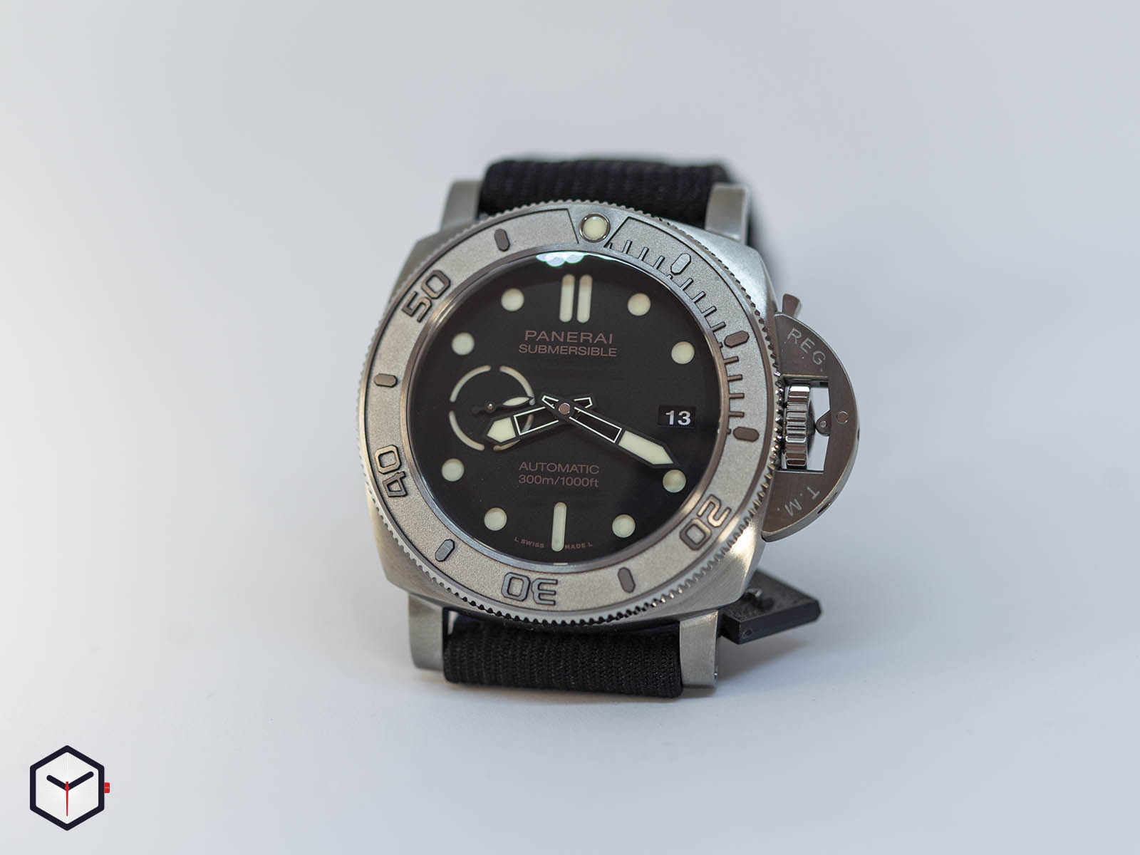 pam00984-officine-panerai-submersible-mike-horn-edition-47mm-sihh-2019-1.jpg