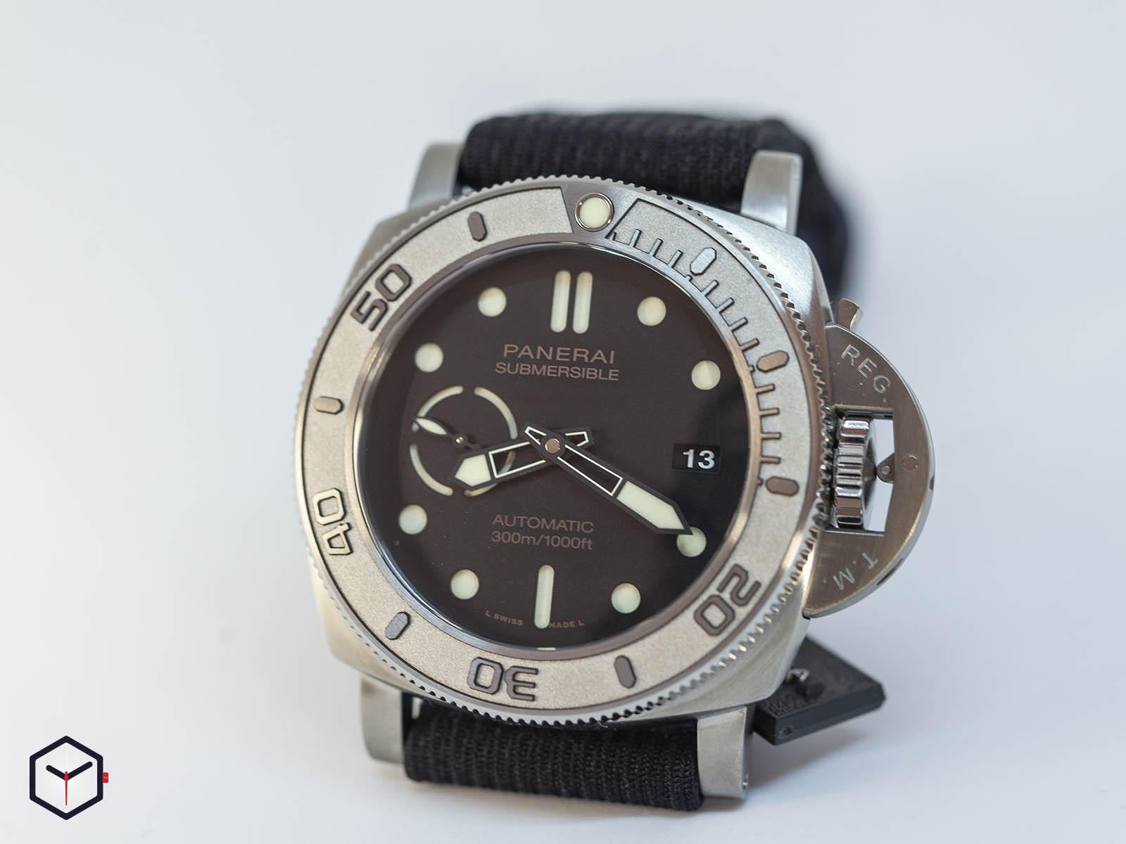 pam00984-officine-panerai-submersible-mike-horn-edition-47mm-sihh-2019-2.jpg