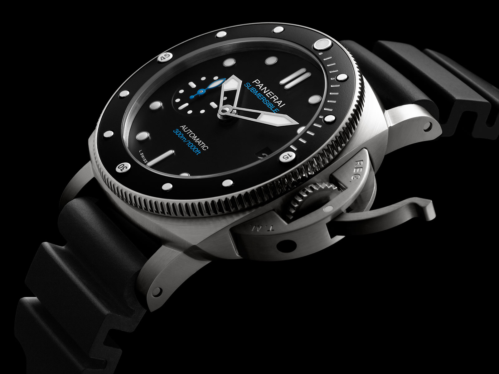pam00683-officine-panerai-submersible-42mm-black-dial-1-.jpg