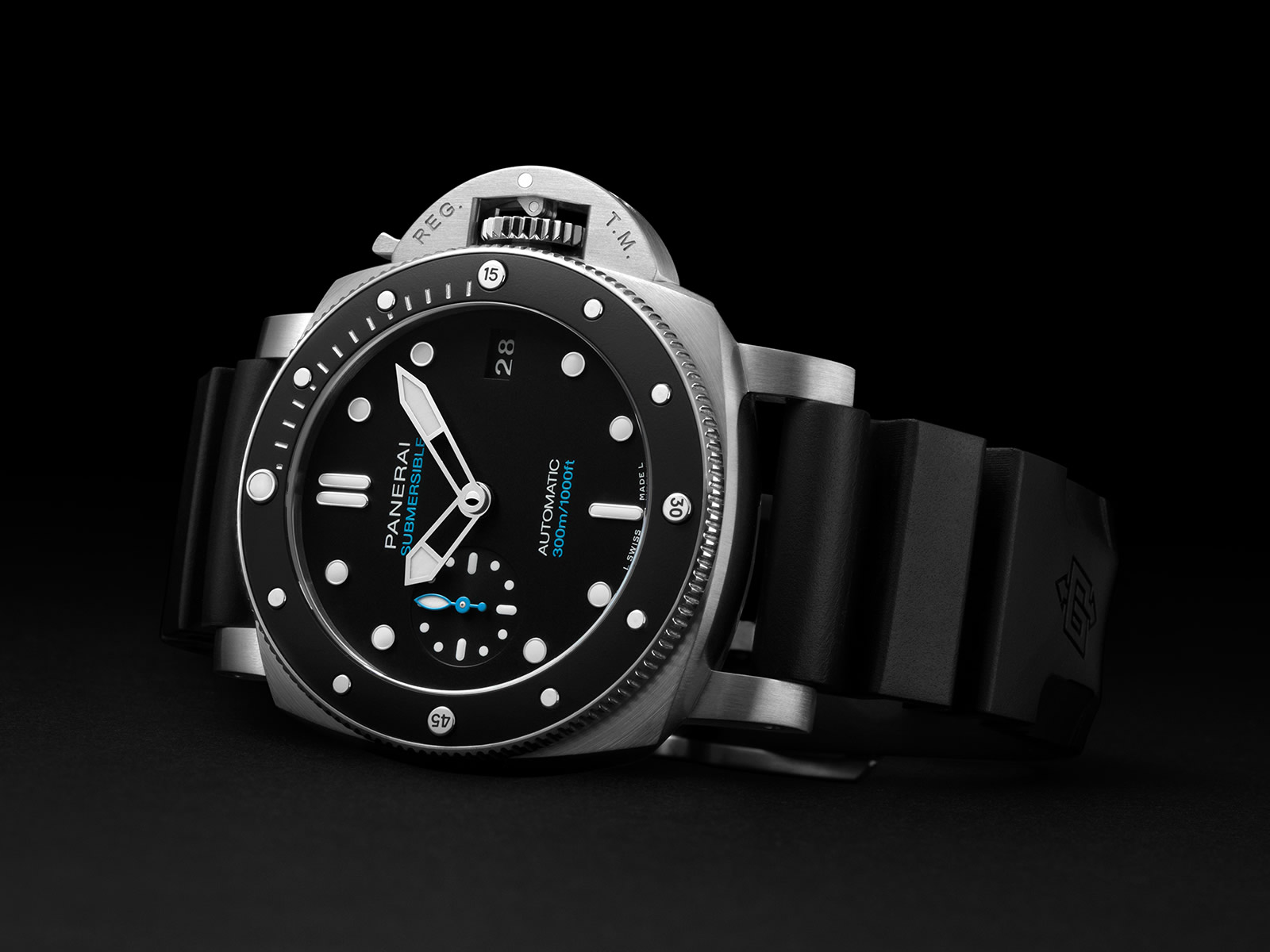 pam00683-officine-panerai-submersible-42mm-black-dial-3-.jpg