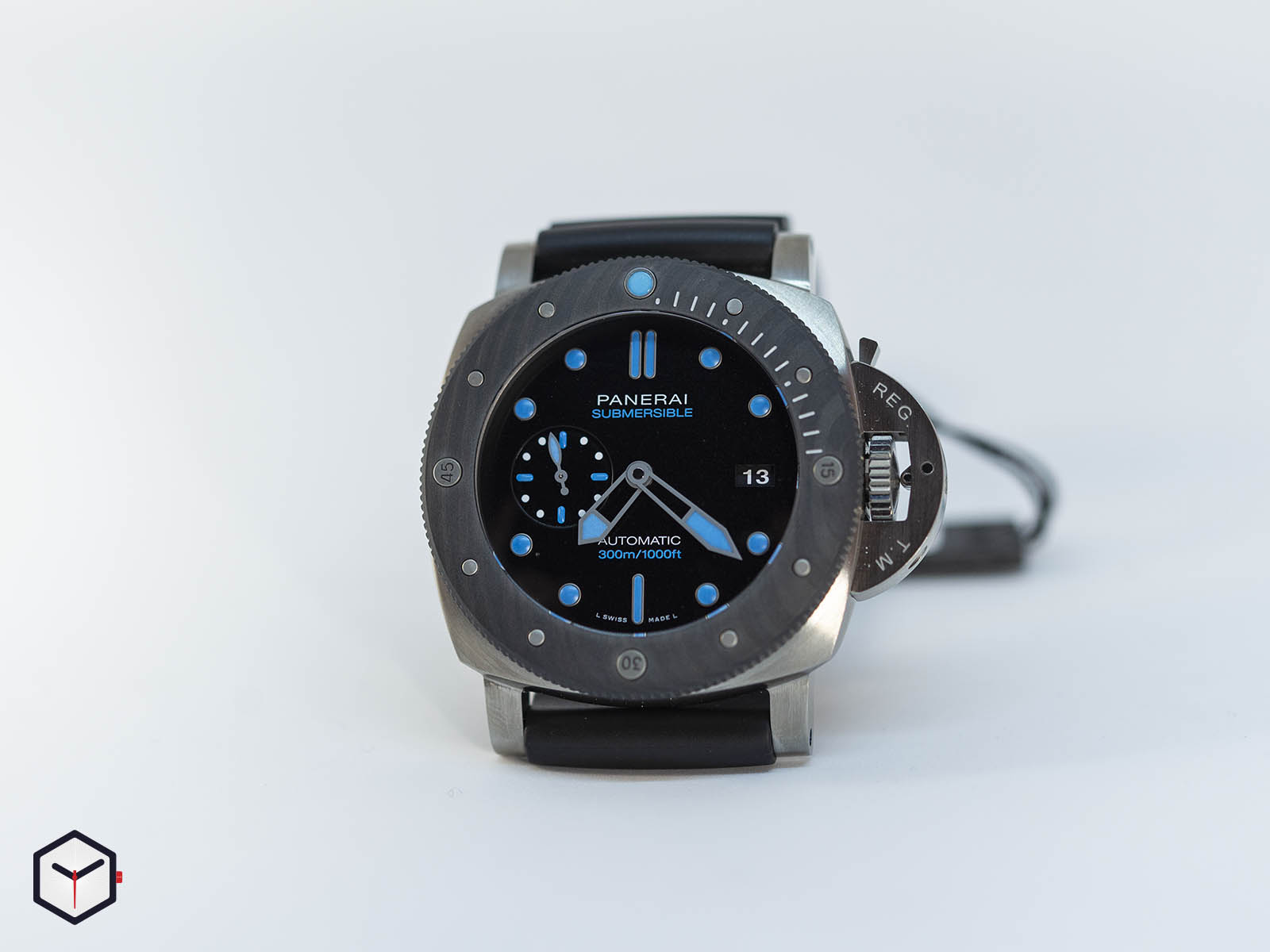 pam00799-officine-panerai-submersible-bmg-tech-47mm-8-.jpg