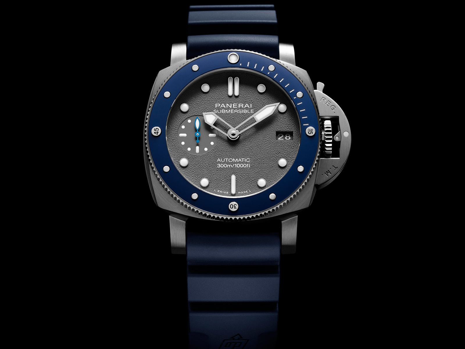 pam00959-officine-panerai-submersible-42mm-grey-dial-3-.jpg