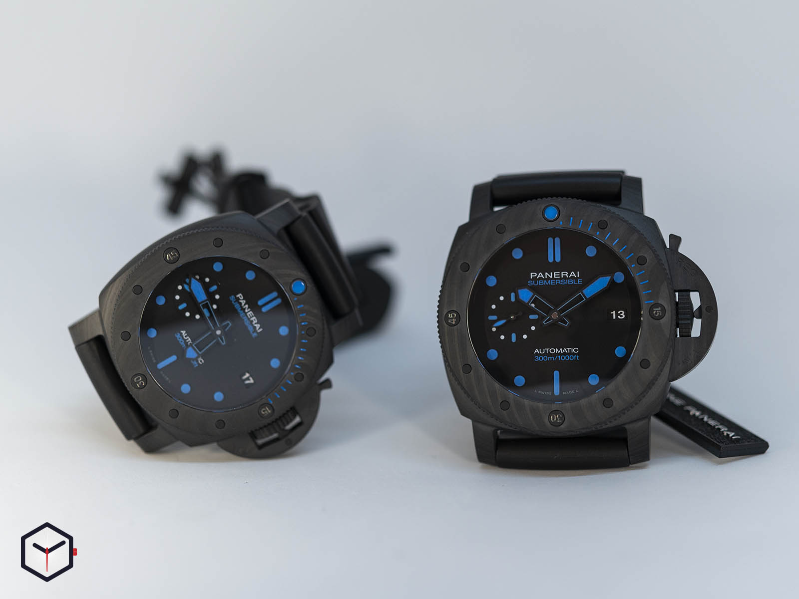 pam00960-pam01616-officine-panerai-submersible-carbotech-42mm.jpg