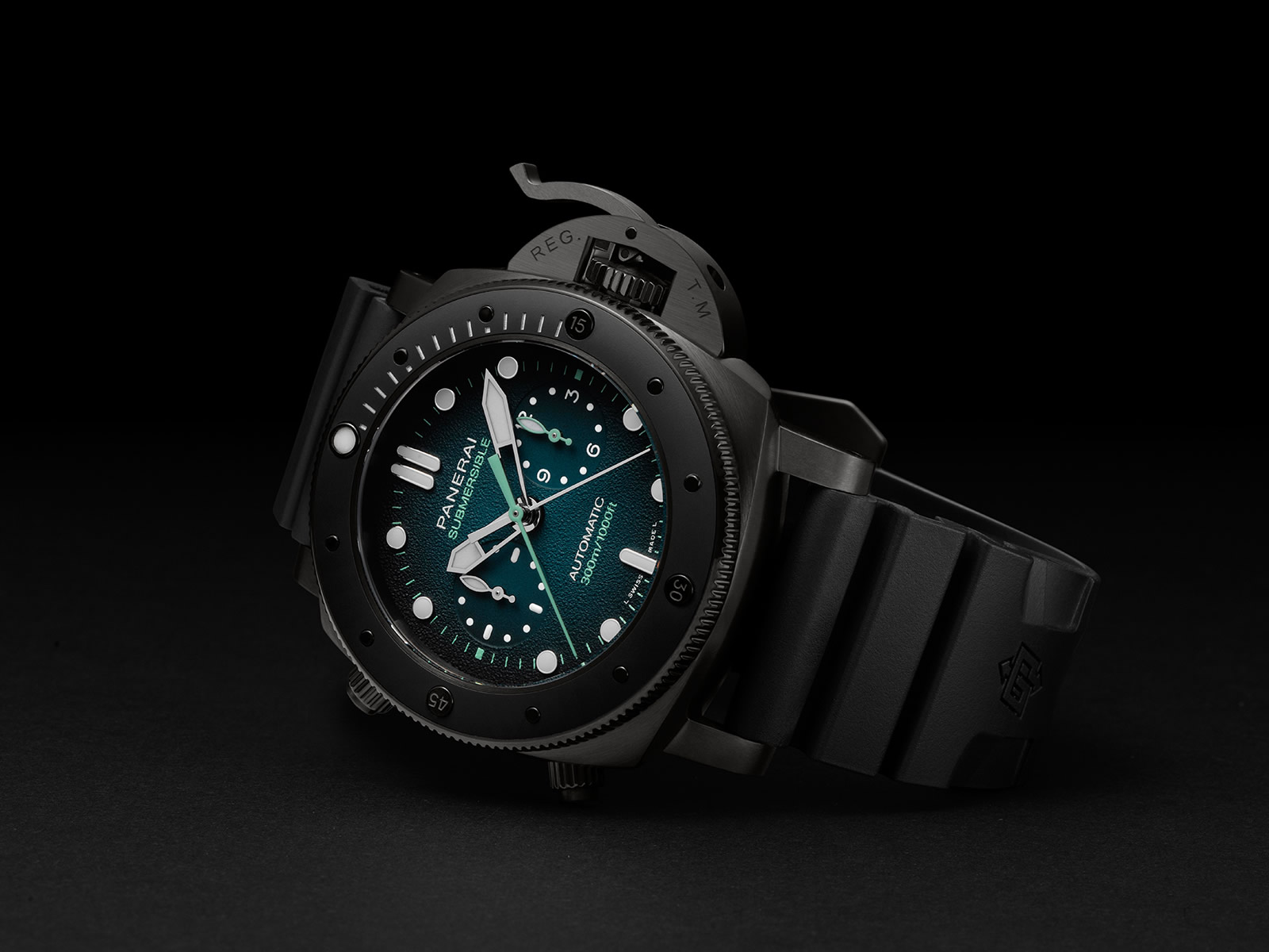 pam00983-officine-panerai-submersible-chrono-guillaume-nery-edition-blue-and-black-dial-1-.jpg