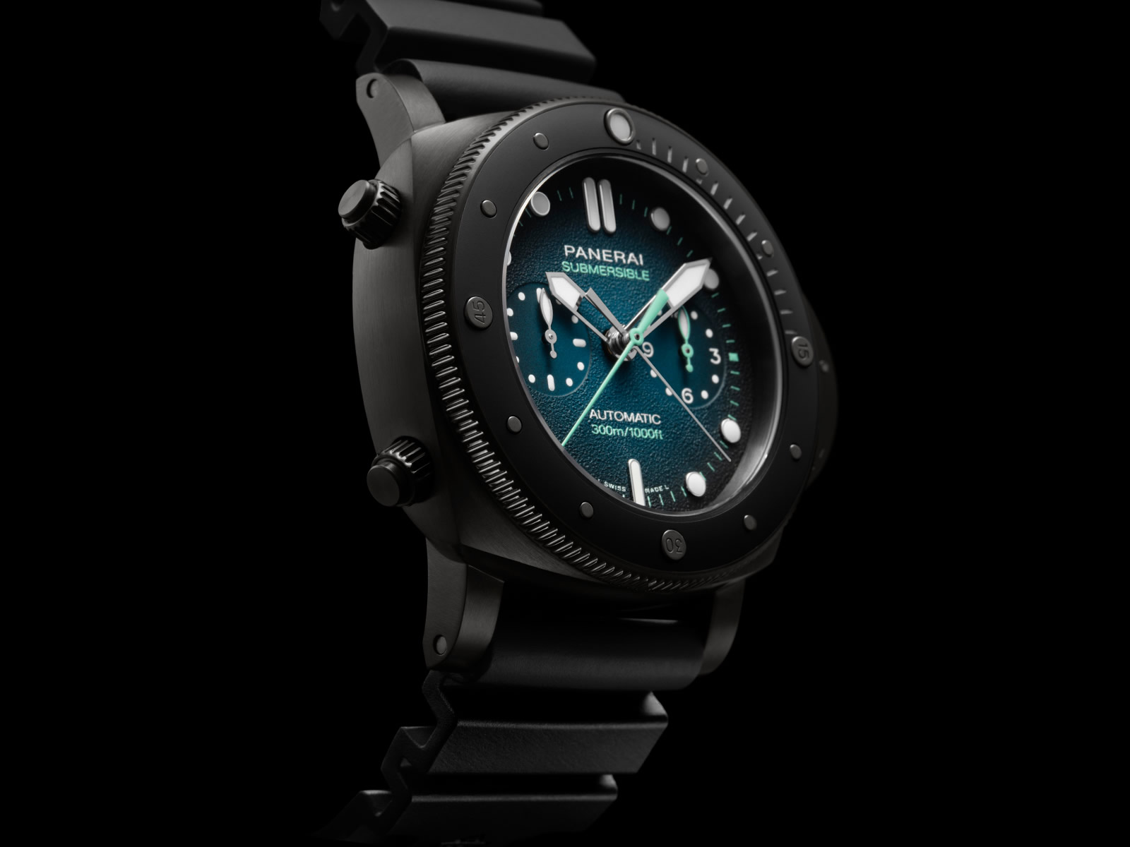 pam00983-officine-panerai-submersible-chrono-guillaume-nery-edition-blue-and-black-dial-2-.jpg