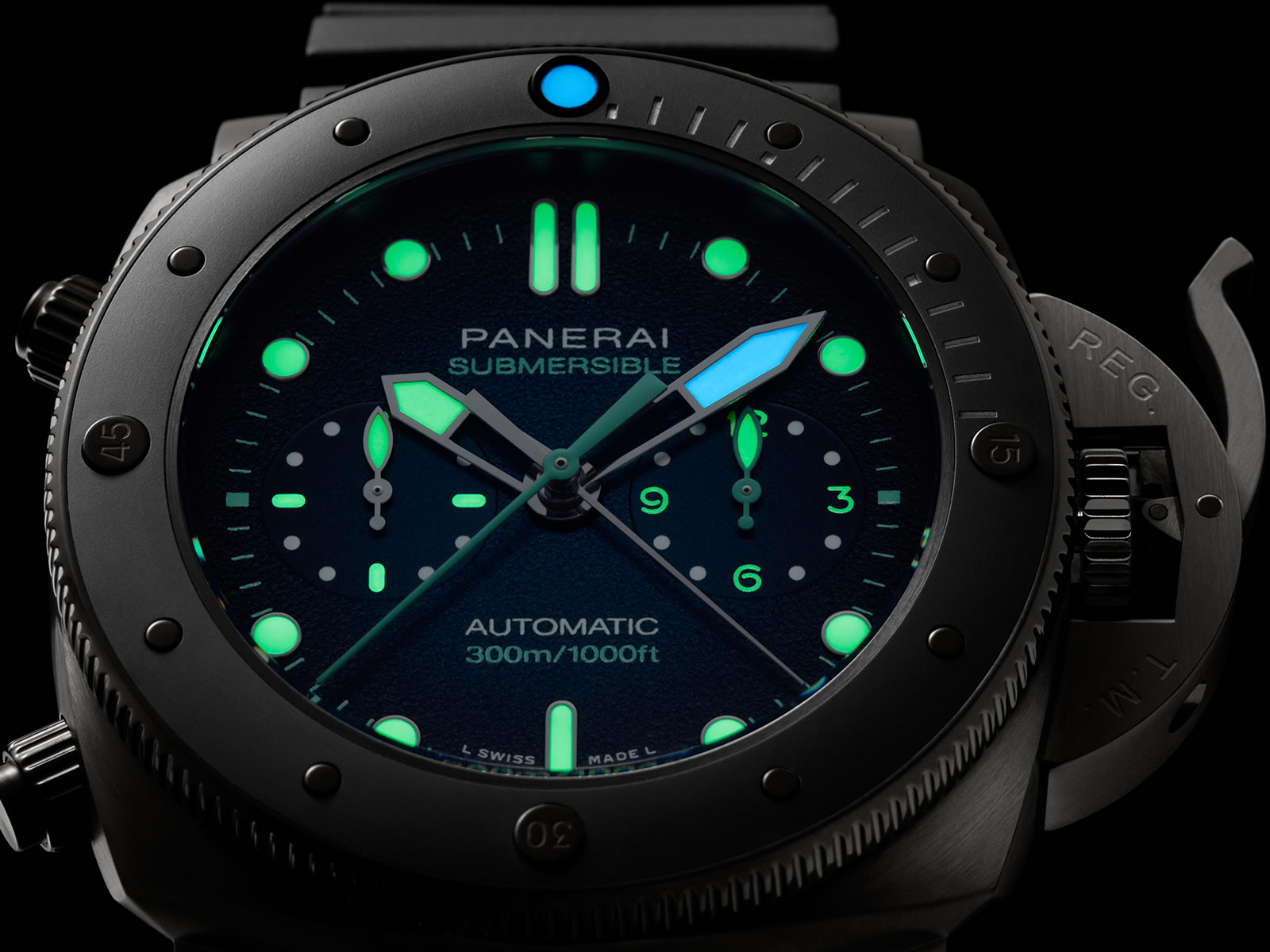pam00983-officine-panerai-submersible-chrono-guillaume-nery-edition-blue-and-black-dial-3-.jpg