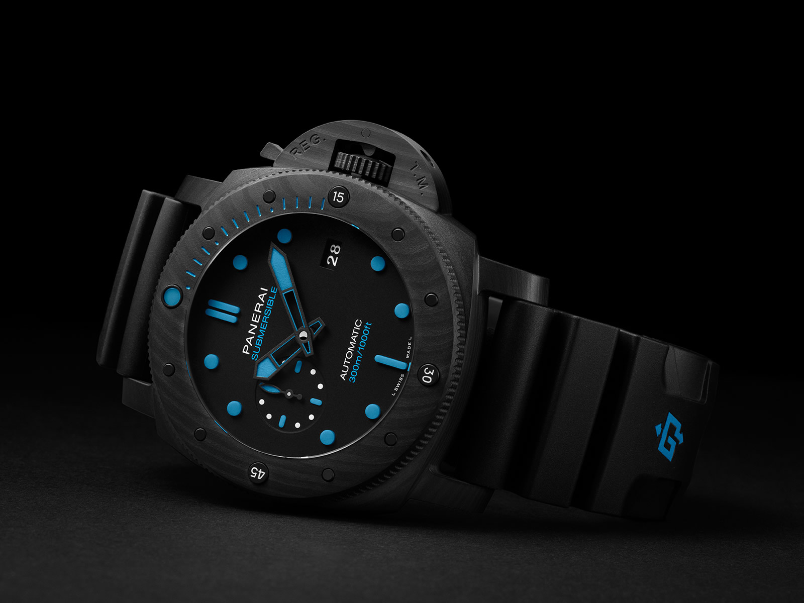 pam01616-officine-panerai-submersible-carbotech-47mm-1-.jpg