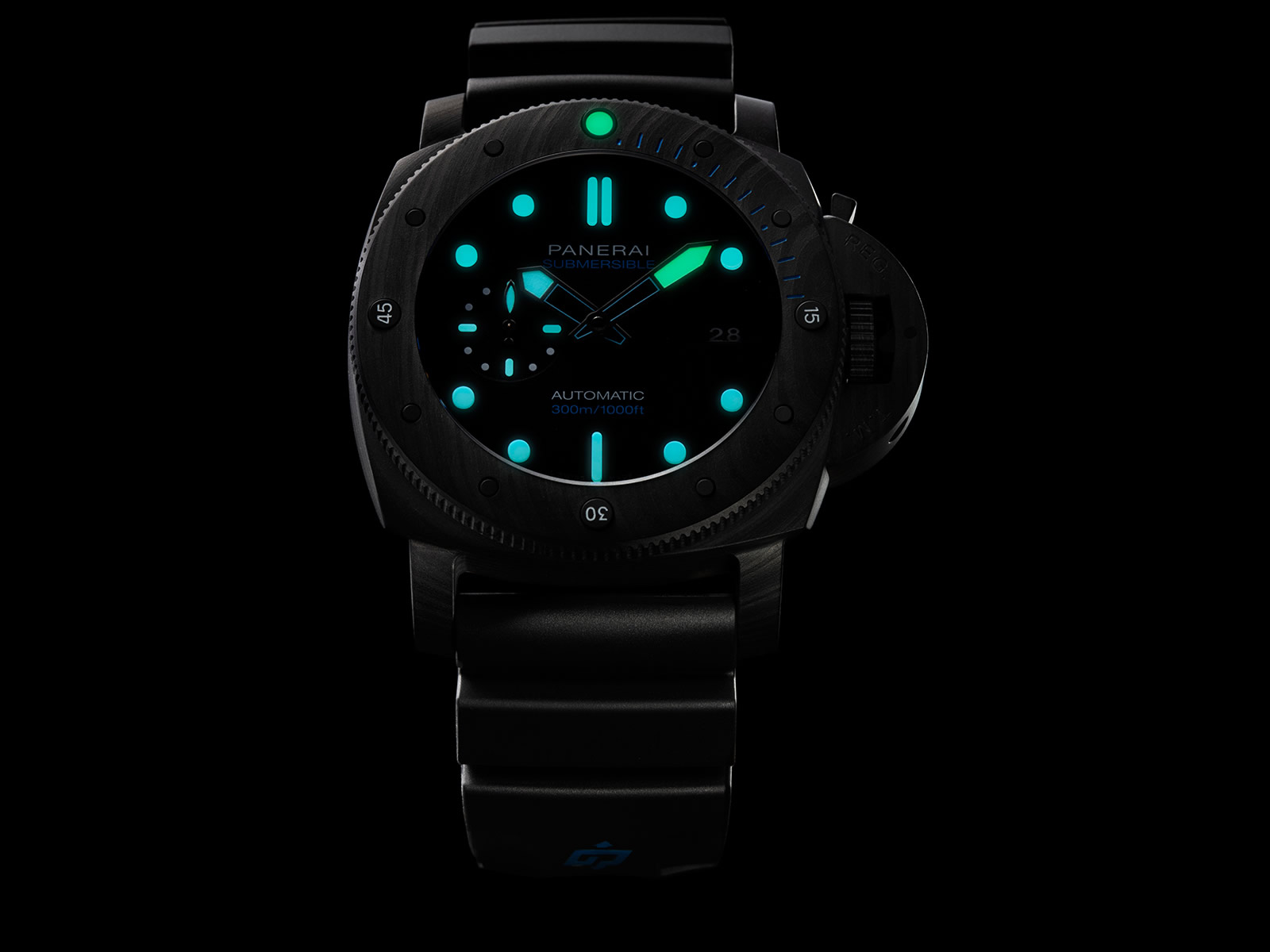 pam01616-officine-panerai-submersible-carbotech-47mm-4-.jpg