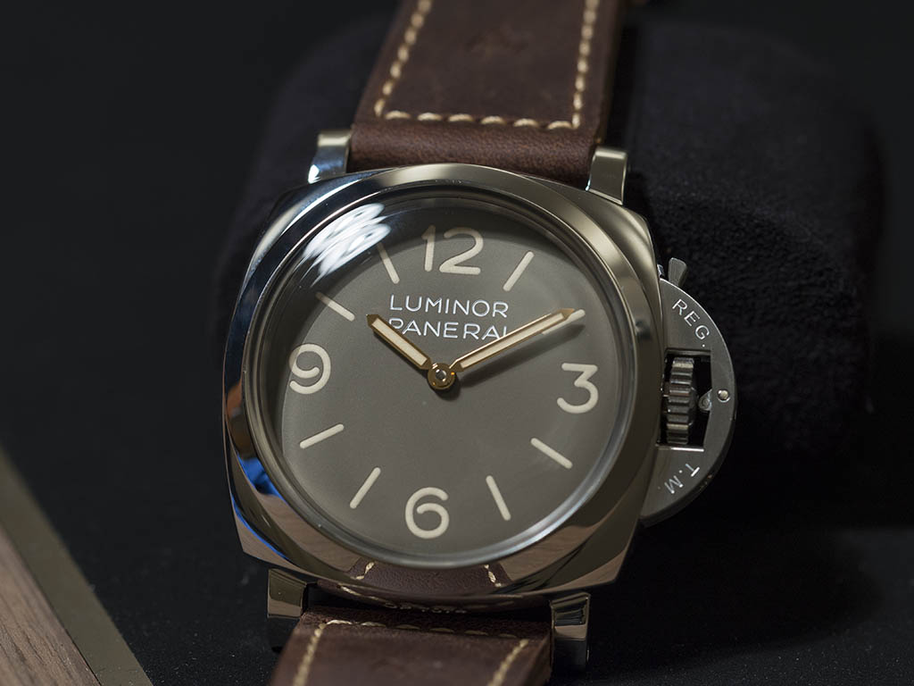 Officine-Panerai-Luminor-Pam00663-Sihh-2016-1.jpg