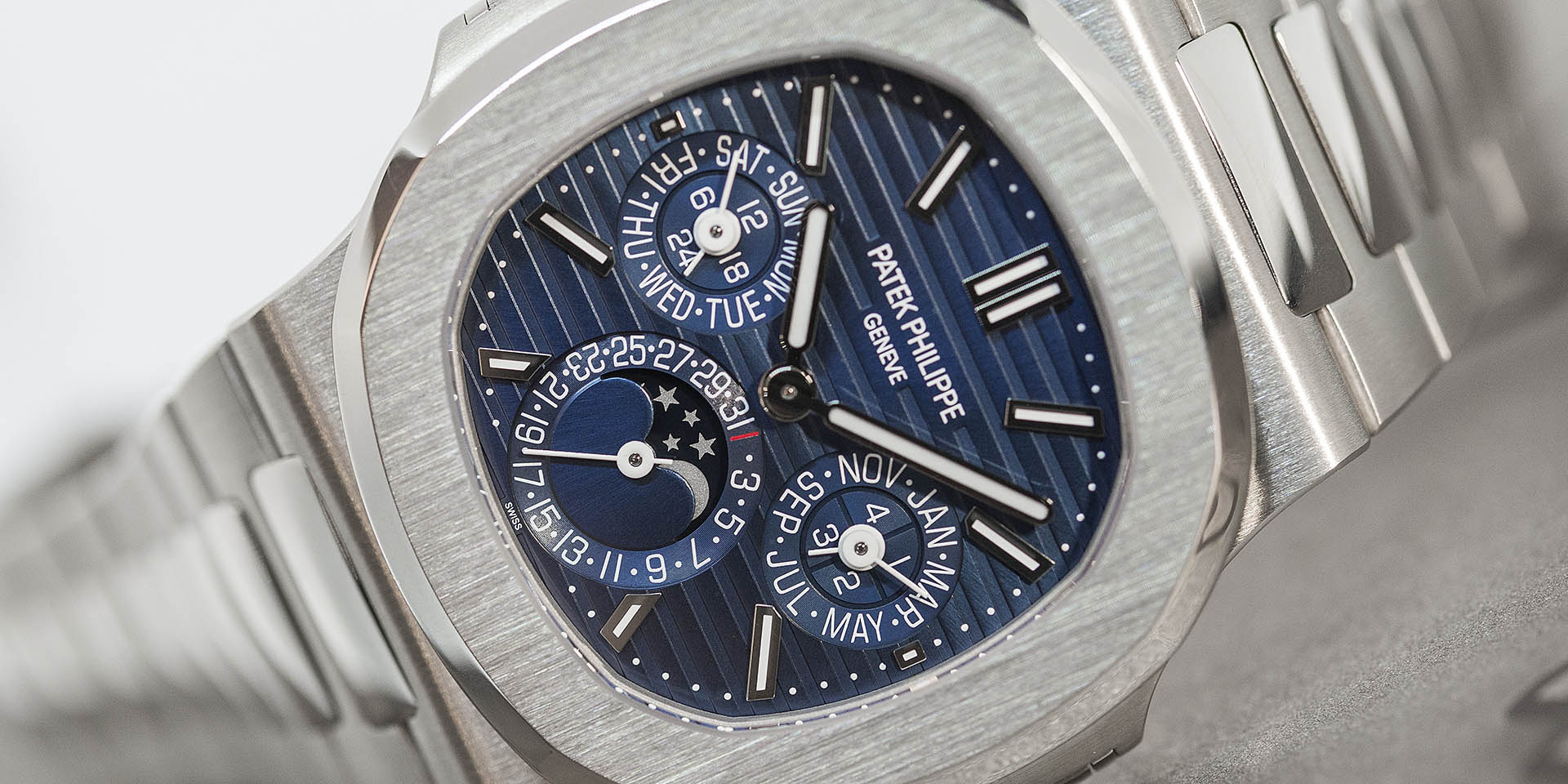 Most Expensive Watch In The World With Price >> 5740/1G-001 | Nautilus | Perpetual Calendar | Patek Philippe | Baselworld 2018 | Review | Horobox