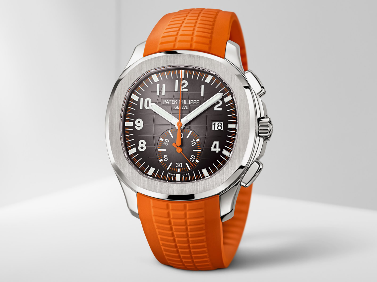 5968a-patek-philippe-aquanaut-chronograph-3-.jpg