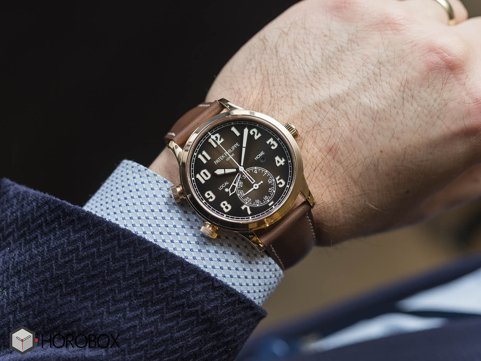 patek-philippe-calatrava-pilot-travel-time-5524r-9.jpg