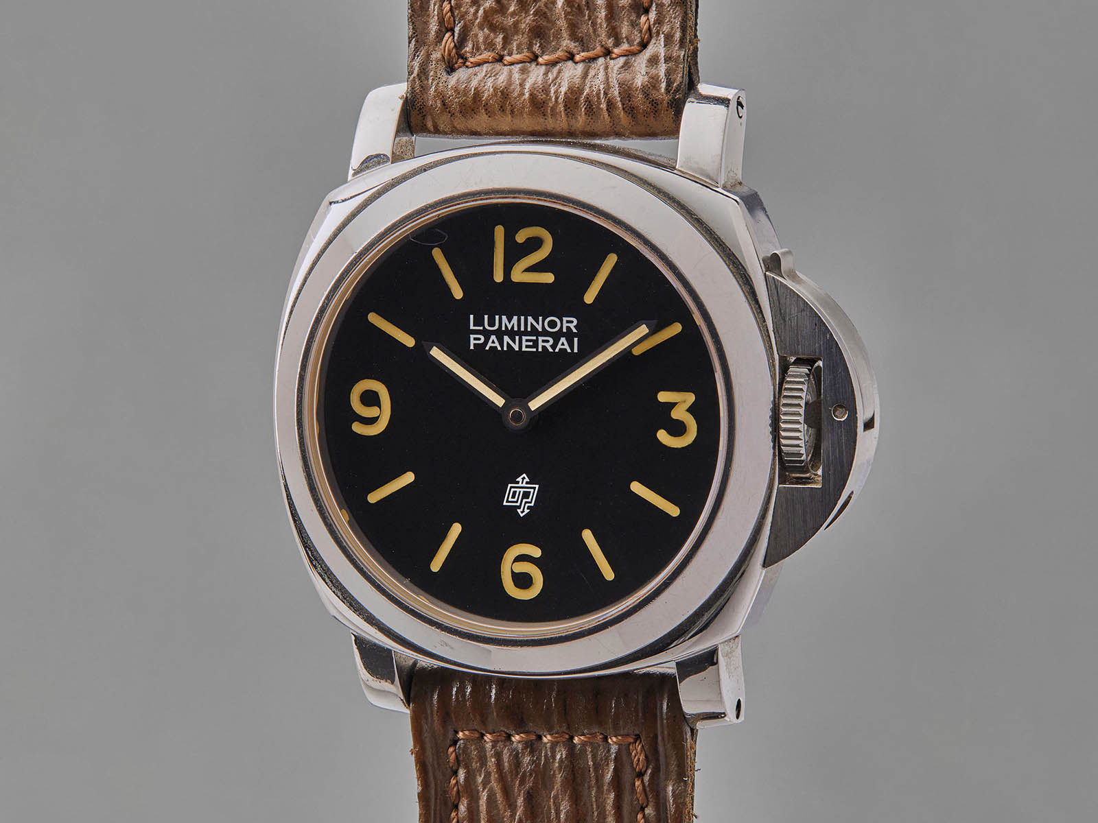 phillips-auction-2020-panerai-luminor-pam5218-201-a-2.jpg