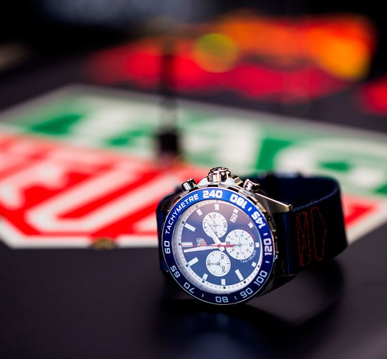 Red-Bull-Racing-Chronograph-Formula-1-TAG-Heuer-2.jpg