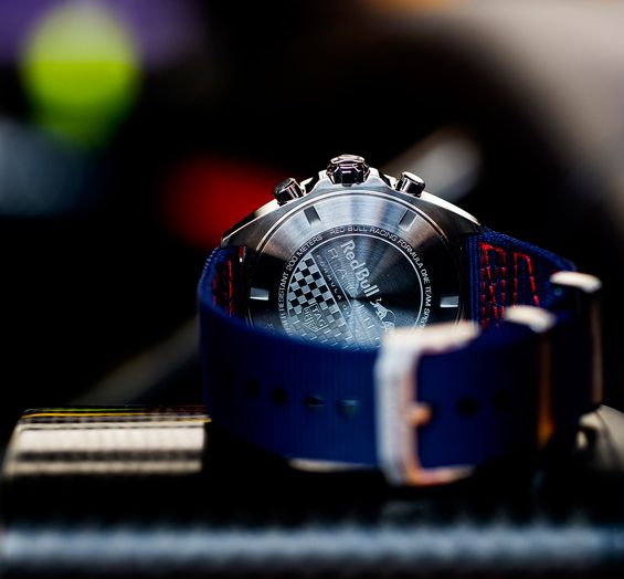 Red-Bull-Racing-Chronograph-Formula-1-TAG-Heuer-3.jpg