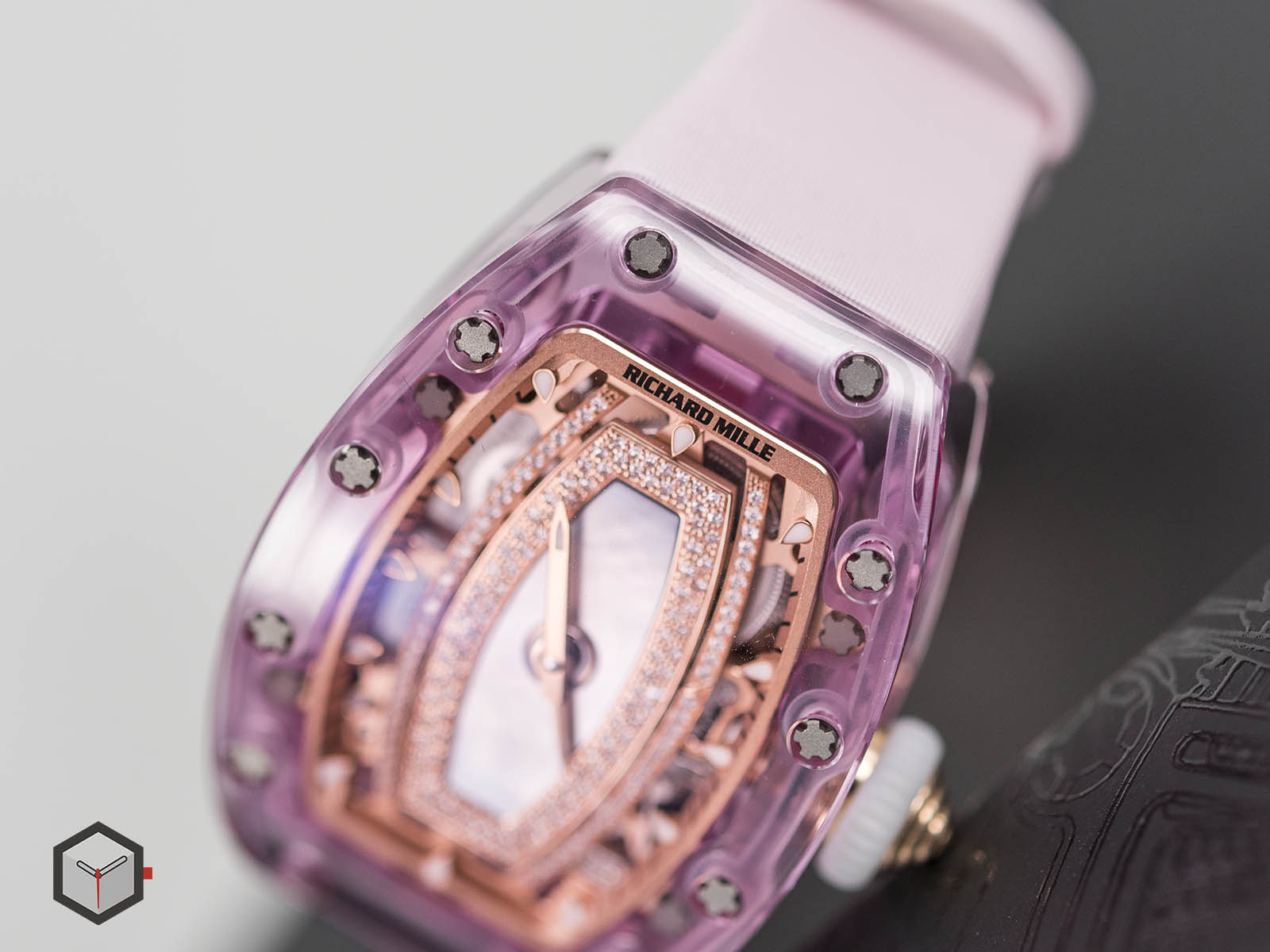 rm-07-02-richard-mille-automatic-pink-lady-sapphire-5.jpg