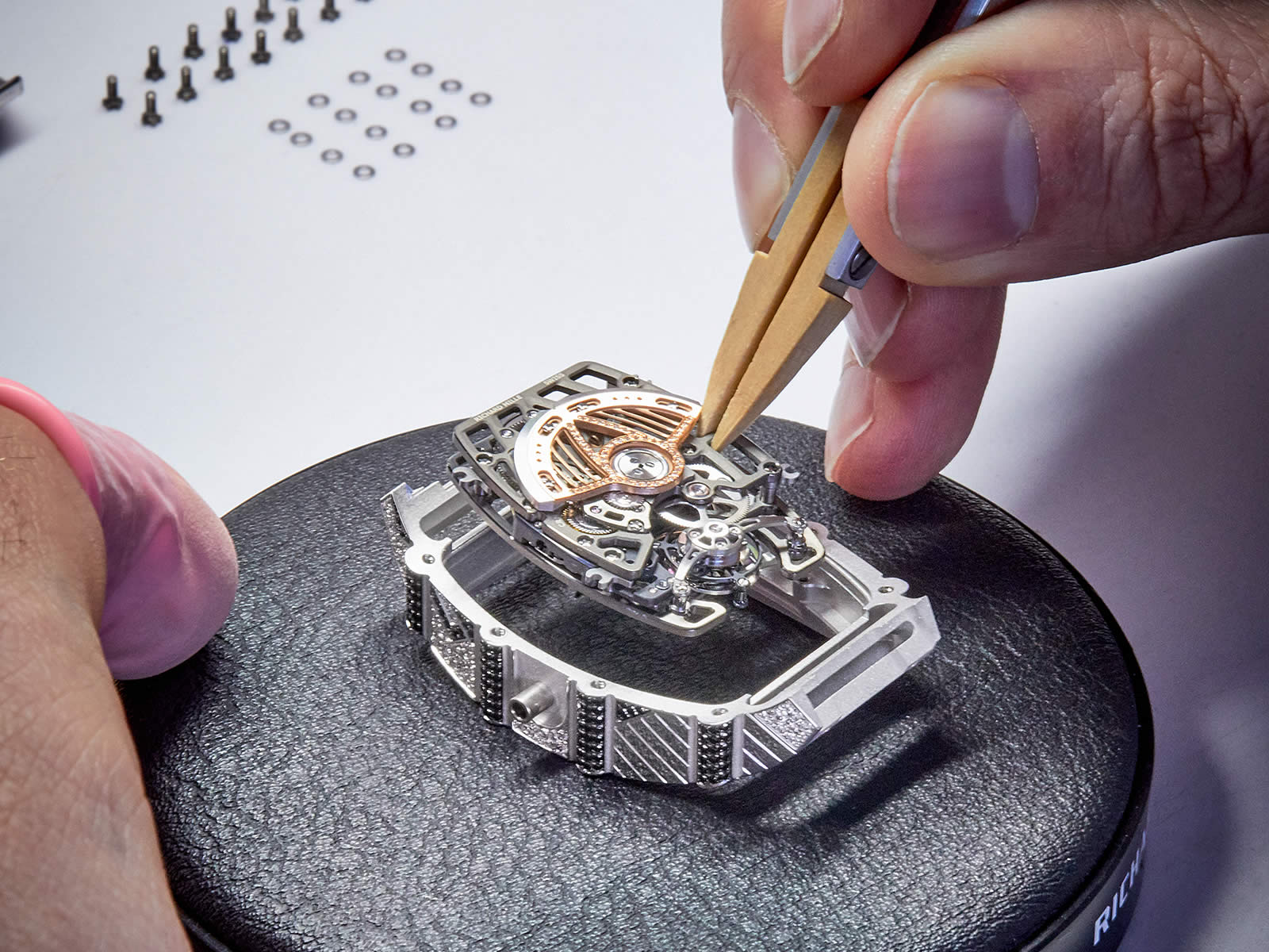 richard-mille-rm-71-01-automatic-tourbillon-talisman-15-.jpg