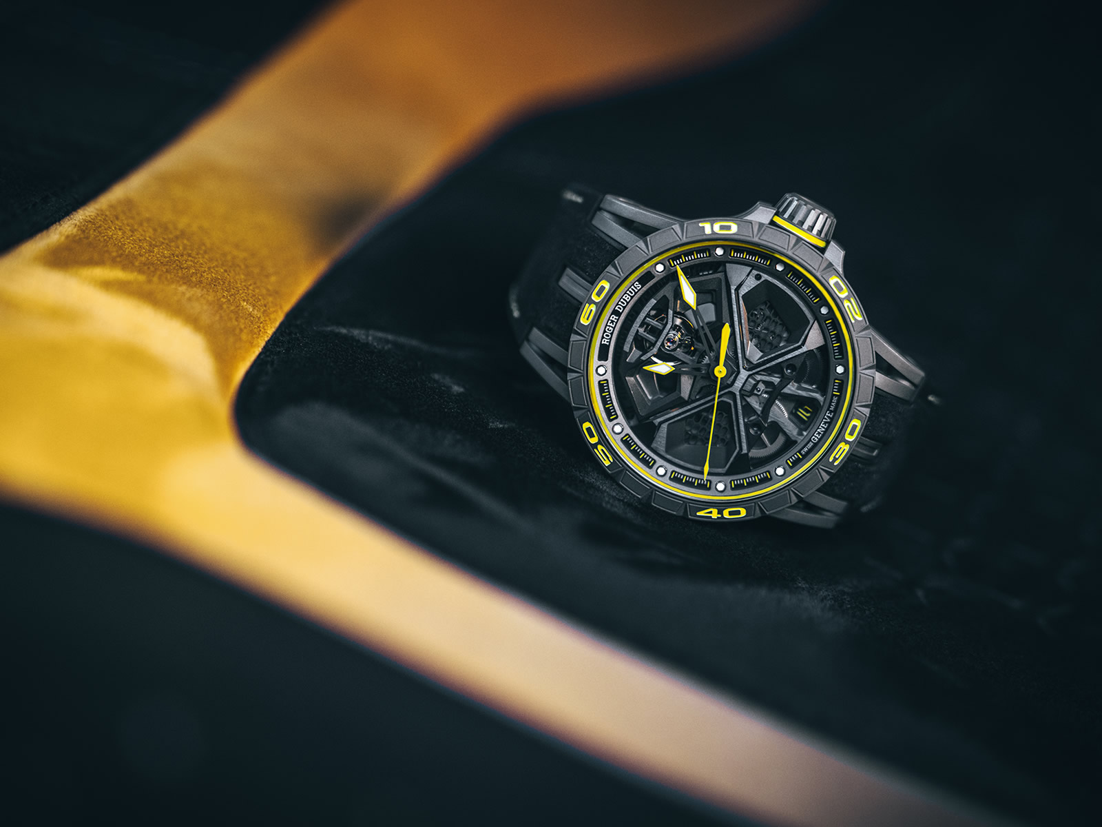 rddbex0792-roger-dubuis-excalibur-huracan-performante-3-.jpg