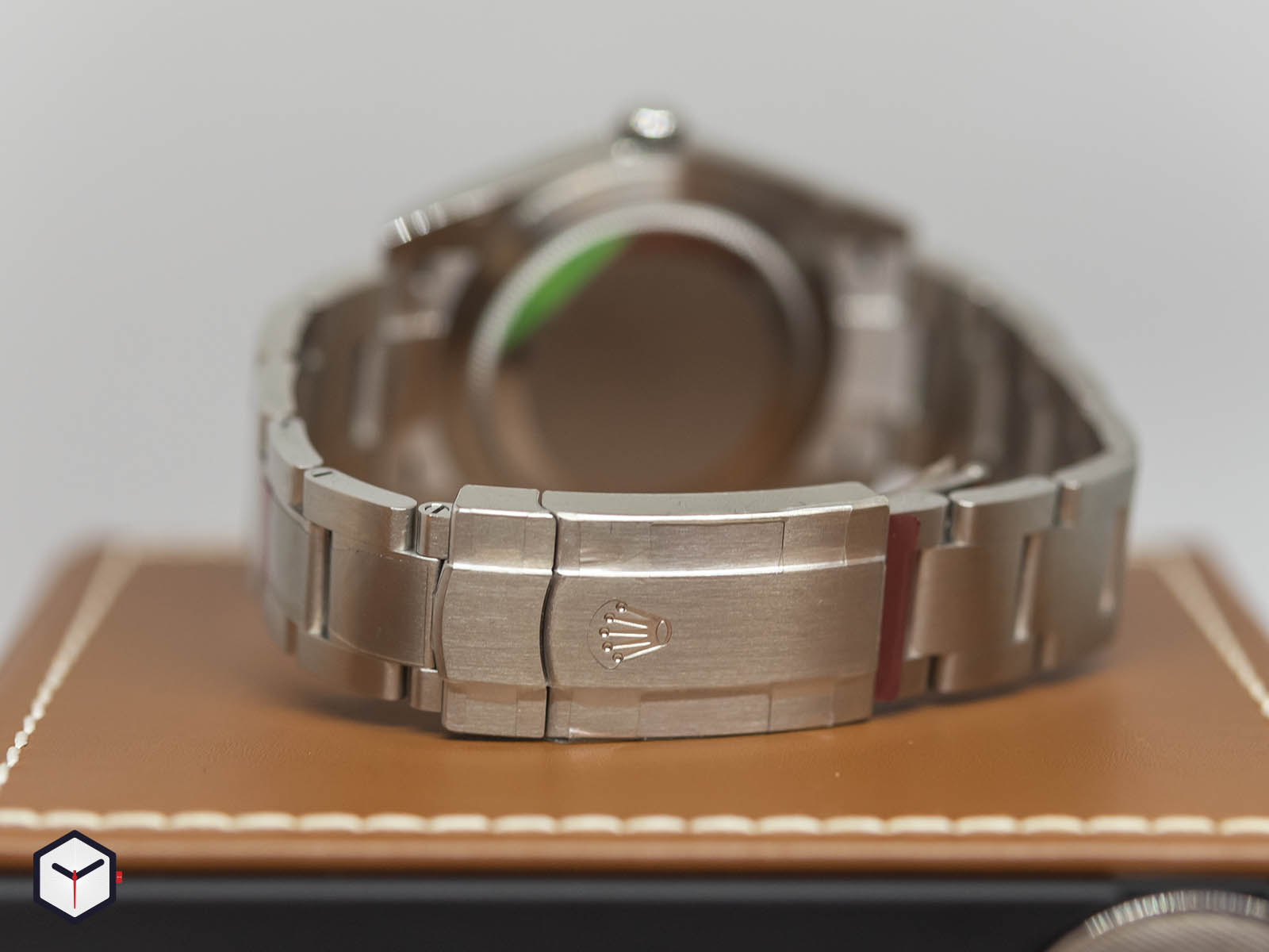 rolex-oyster-perpetual-36mm-2020-7.jpg