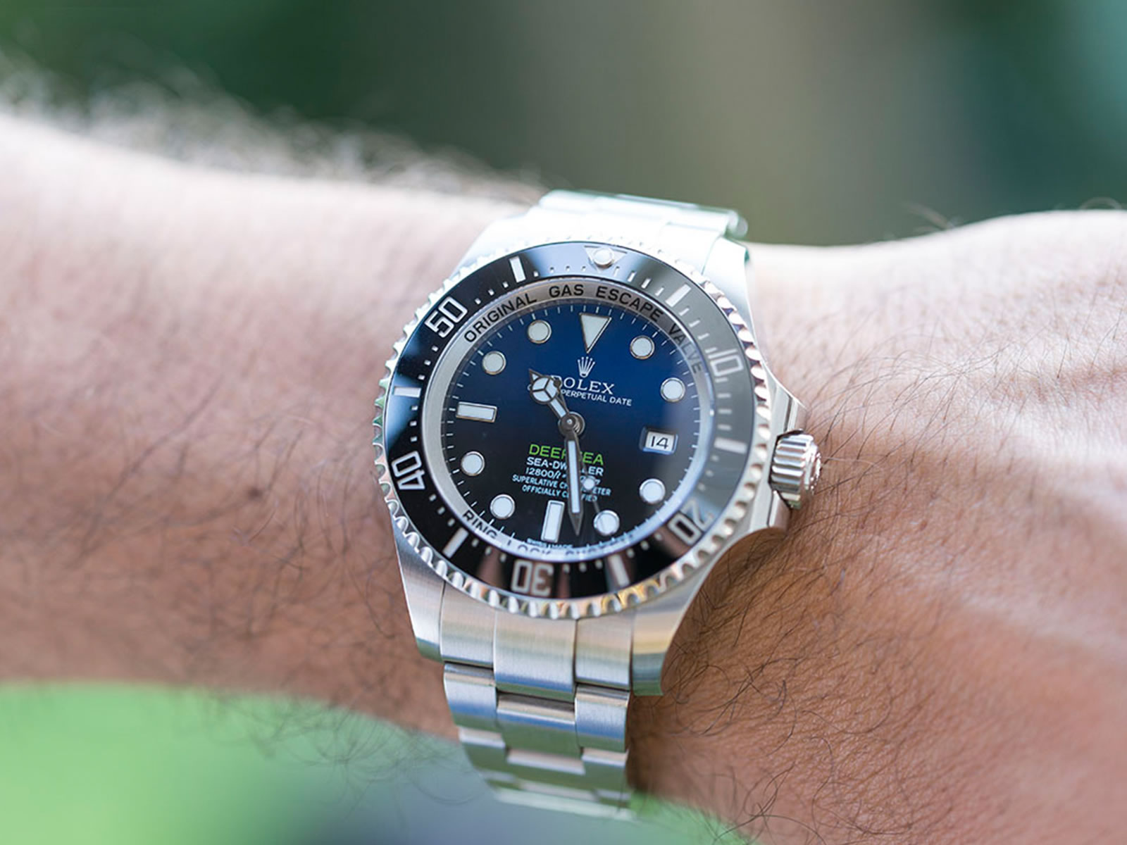 116660-rolex-deepsea-sea-dweller-deep-blue-2-.jpg