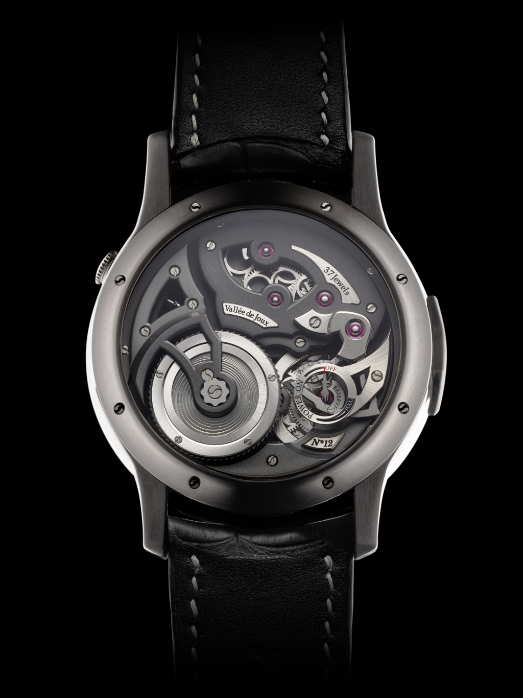 Romain_Gauthier_Logical_One_natural_titanium_clous_de_Paris_dial-2.jpg
