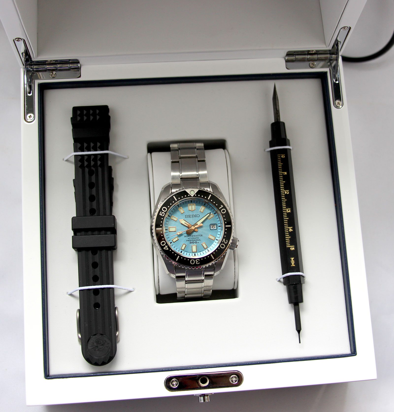 Seiko-prospex-Marinemaster-300-limited-edition-3.jpg