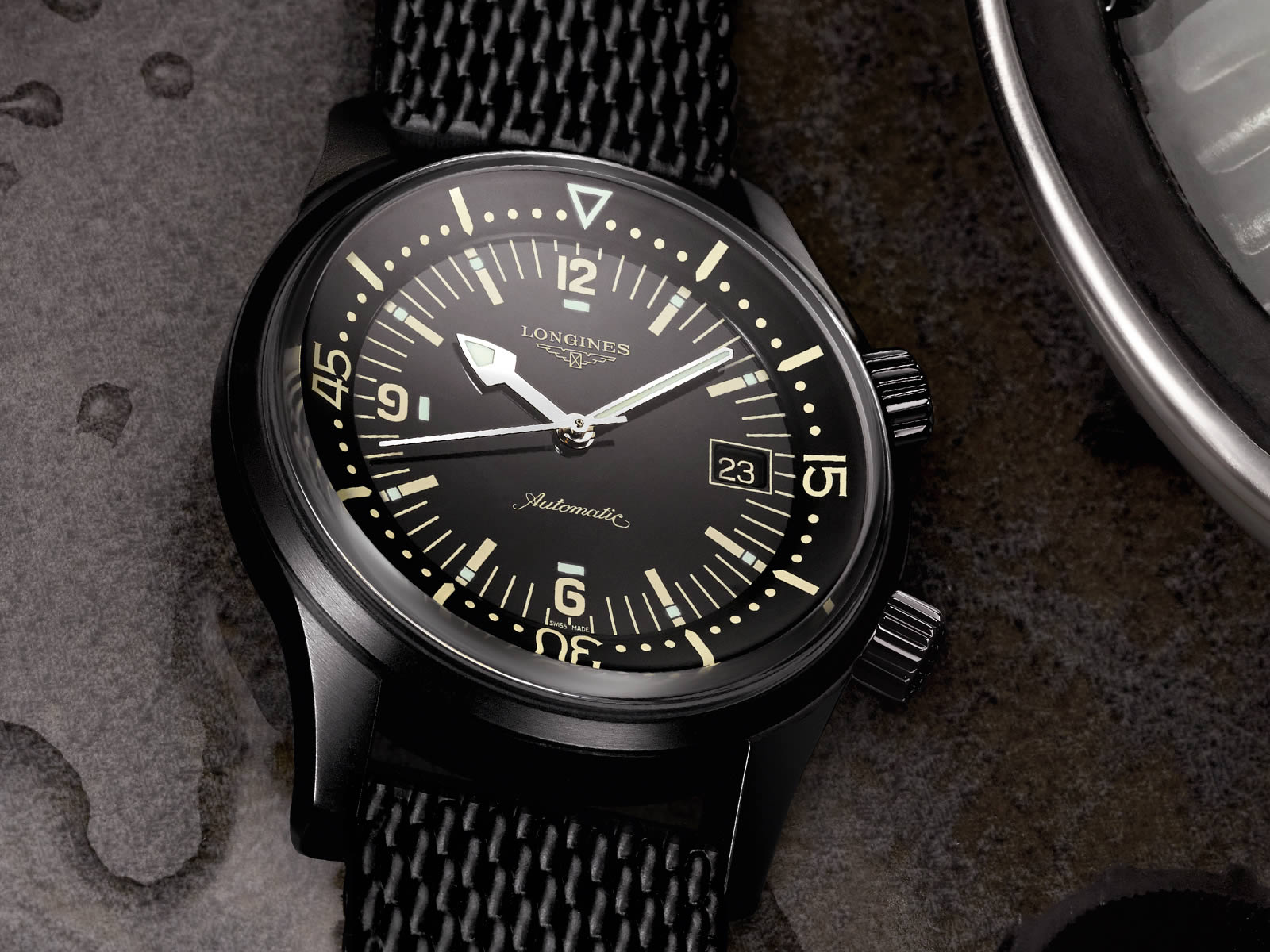 l3-774-2-50-9-the-longines-legend-diver-watch-2.jpg