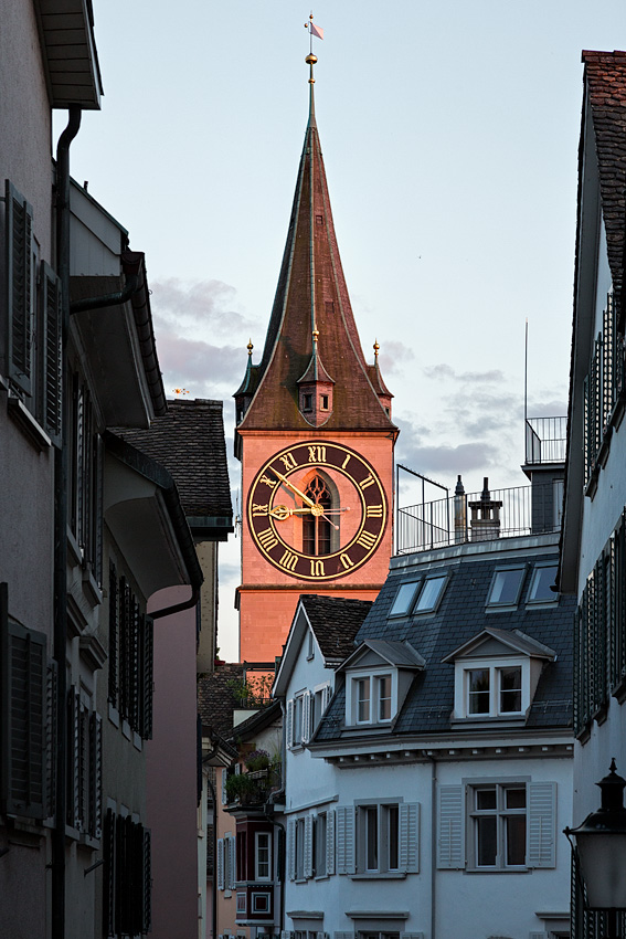 St-Peter-Church-Zurich.jpg