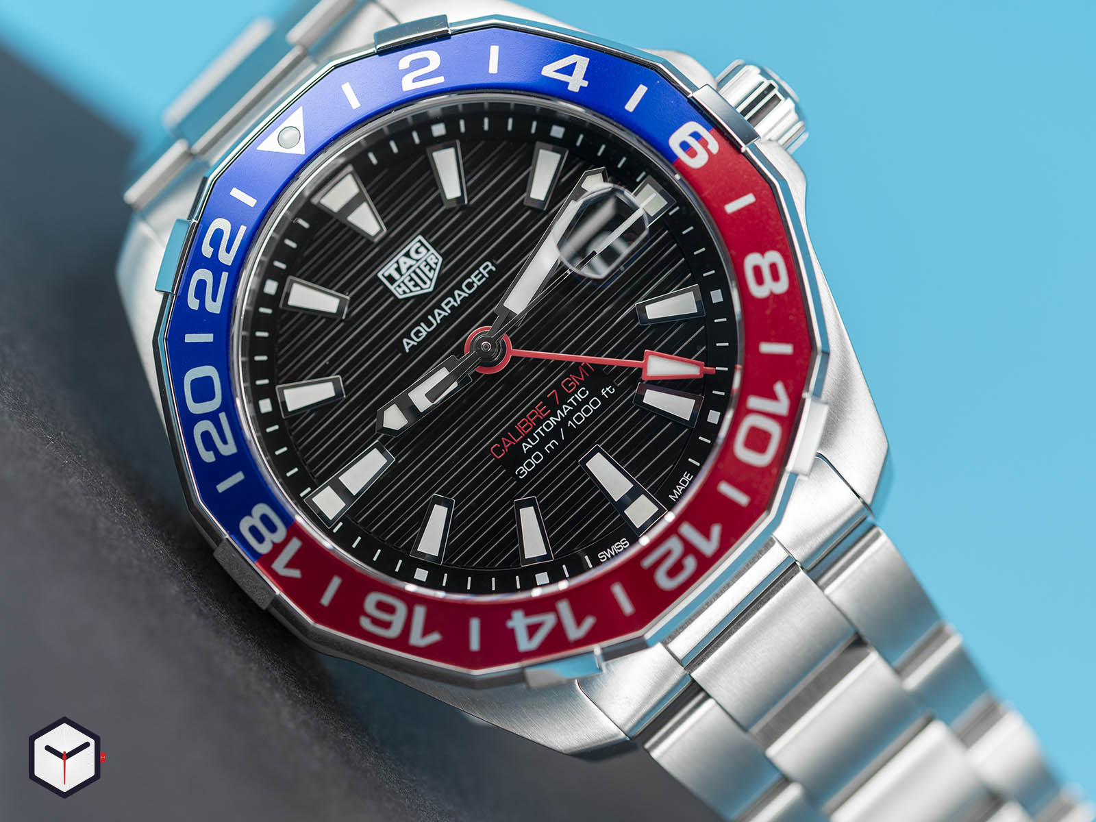 way201f-ba0927-tag-heuer-aquaracer-caliber-7-gmt-1.jpg