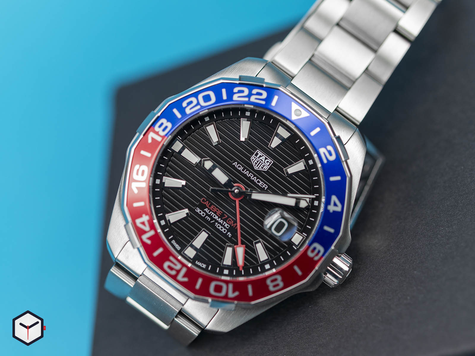 way201f-ba0927-tag-heuer-aquaracer-caliber-7-gmt-2.jpg