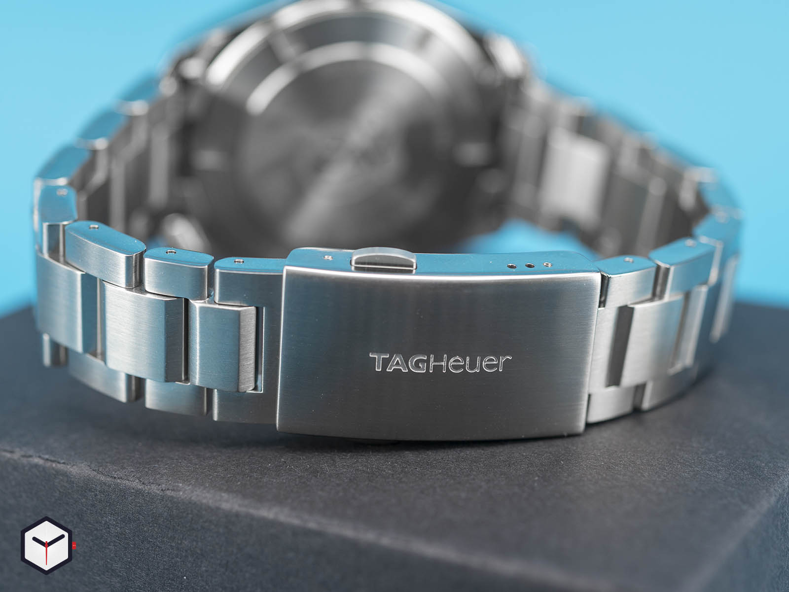 way201f-ba0927-tag-heuer-aquaracer-caliber-7-gmt-6.jpg
