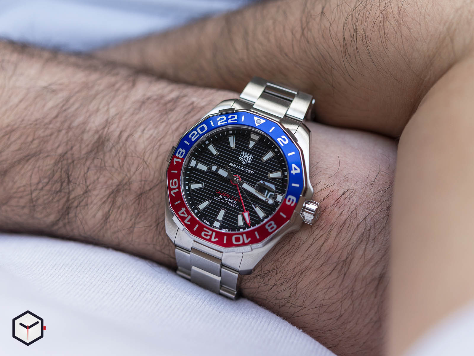way201f-ba0927-tag-heuer-aquaracer-caliber-7-gmt-7.jpg