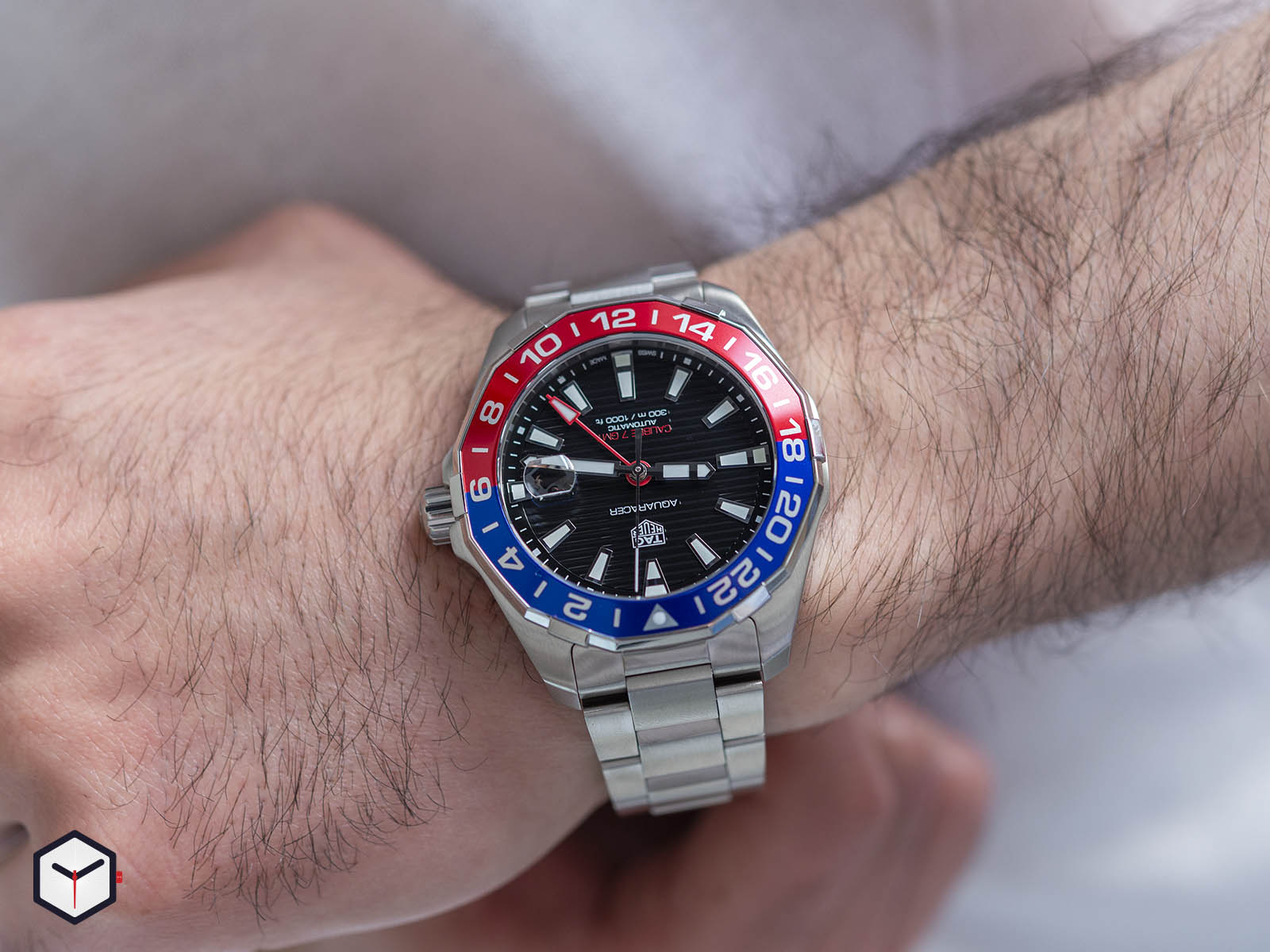 way201f-ba0927-tag-heuer-aquaracer-caliber-7-gmt-8.jpg