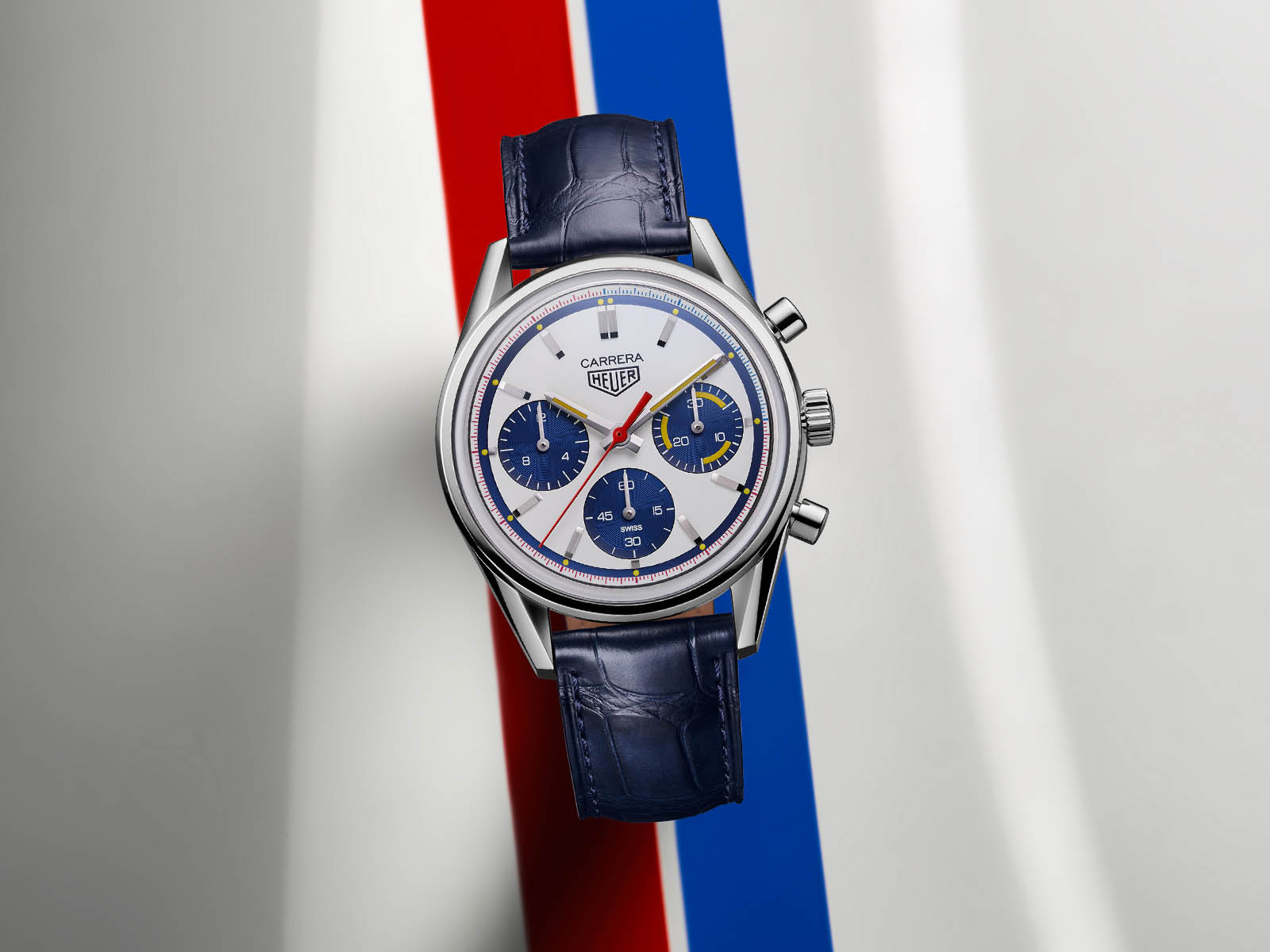cbk221c-fc6488-tag-heuer-carrera-160-years-montreal-limited-edition-2.jpg