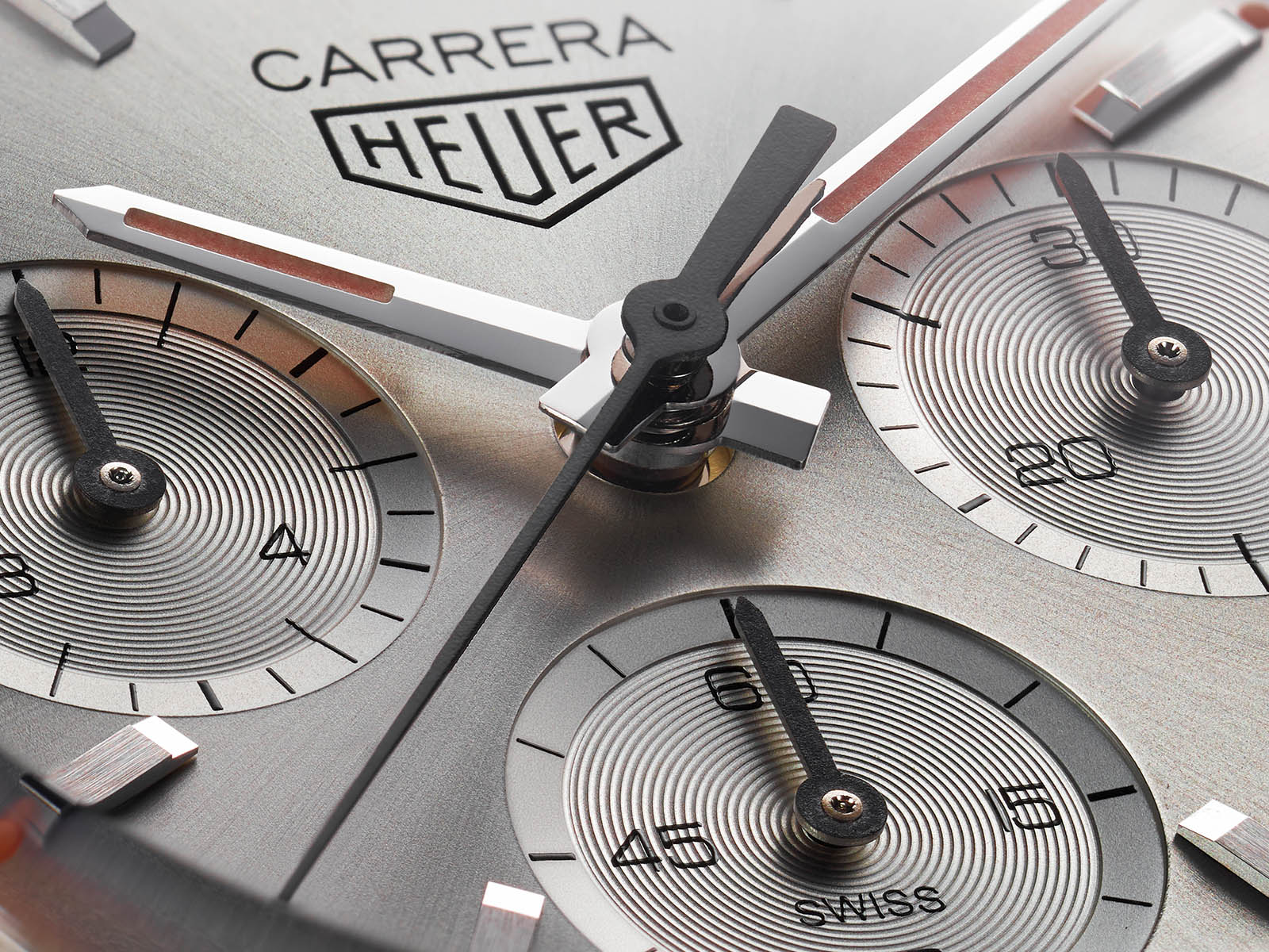 cbk221b-fc6479-tag-heuer-carrera-160-years-silver-limited-edition-4.jpg