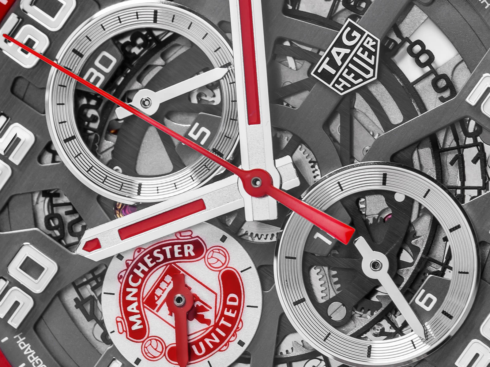 car201m-ft6156-tag-heuer-carrera-heuer-01-manchester-united-special-edition-5-.jpg