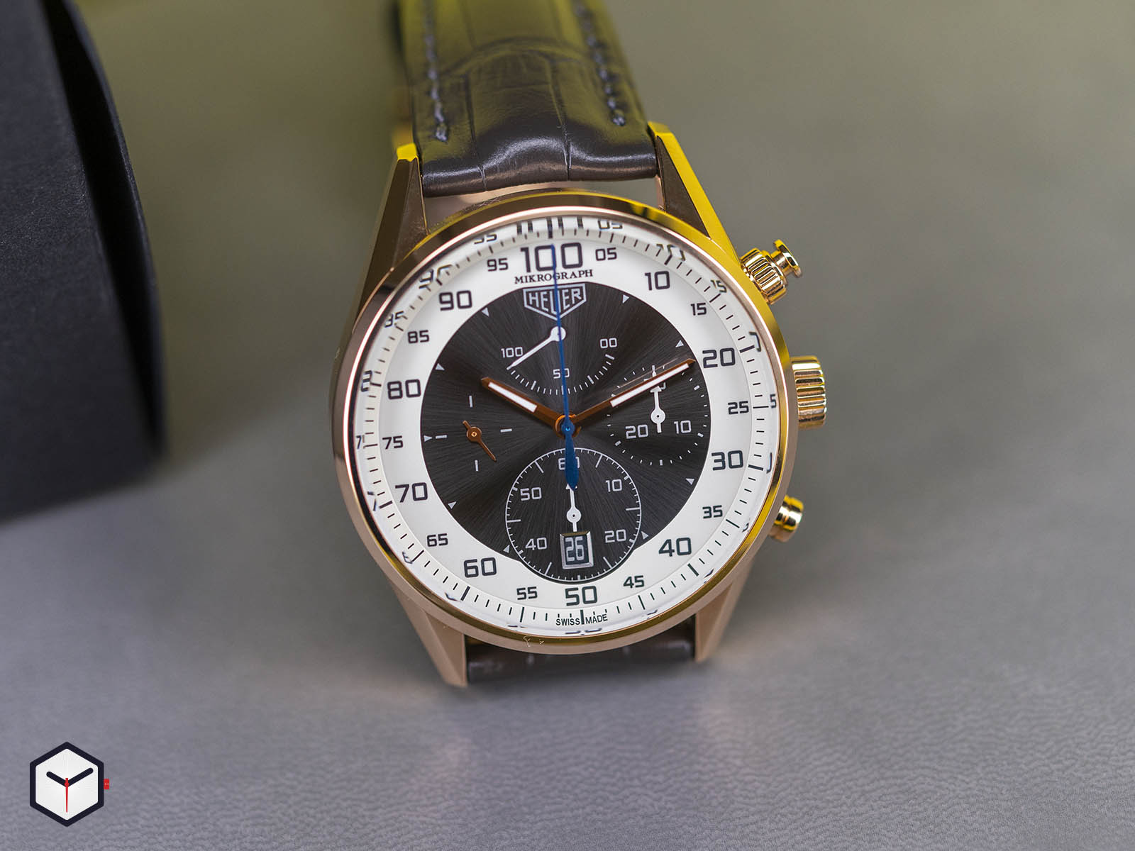 tag-heuer-carrera-mikrograph-1-100th-of-a-second-chronograph-2.jpg