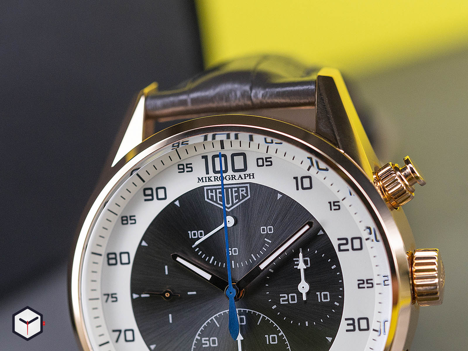 tag-heuer-carrera-mikrograph-1-100th-of-a-second-chronograph-3.jpg