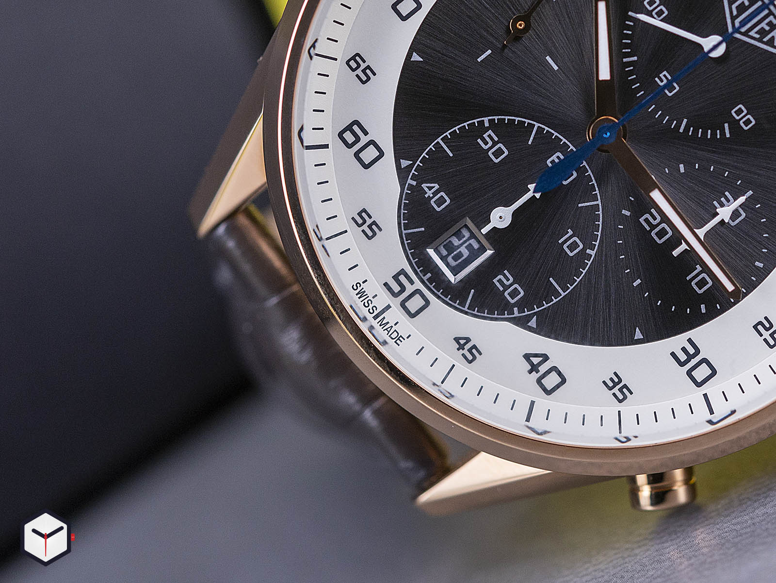 tag-heuer-carrera-mikrograph-1-100th-of-a-second-chronograph-5.jpg
