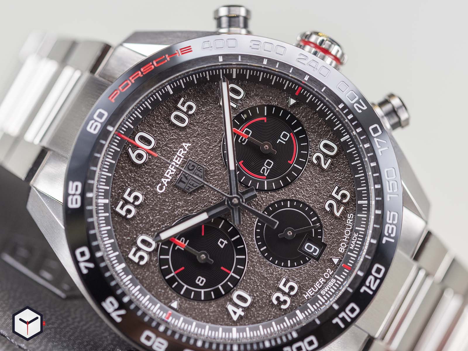 cbn2a1f-ba0643-tag-heuer-carrera-porsche-chronograph-1-2.jpg