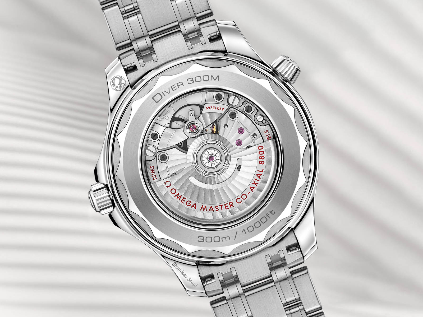 210-30-42-20-04-001-omega-seamaster-diver-300m-omega-co-axial-master-chronometer-42-mm-2.jpg