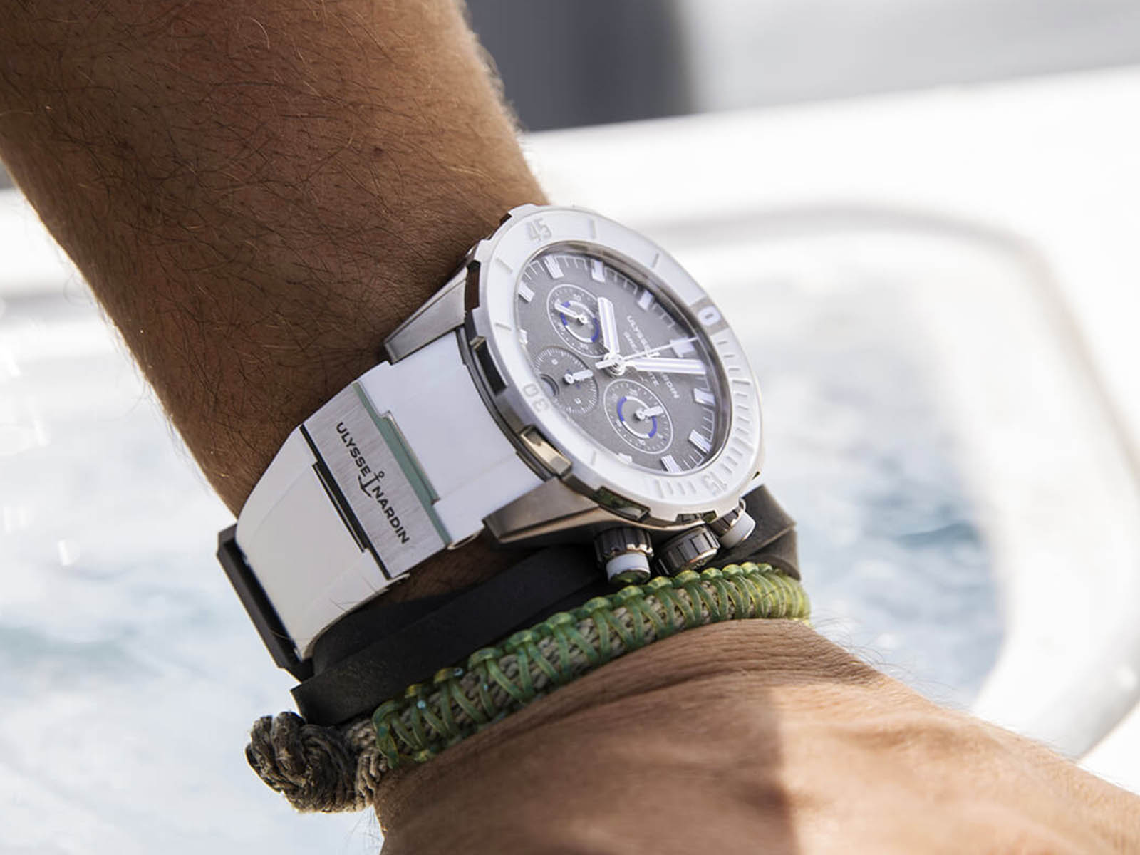 ulysse-nardin-diver-chronograph-44mm-limited-edition-great-white-2.jpg