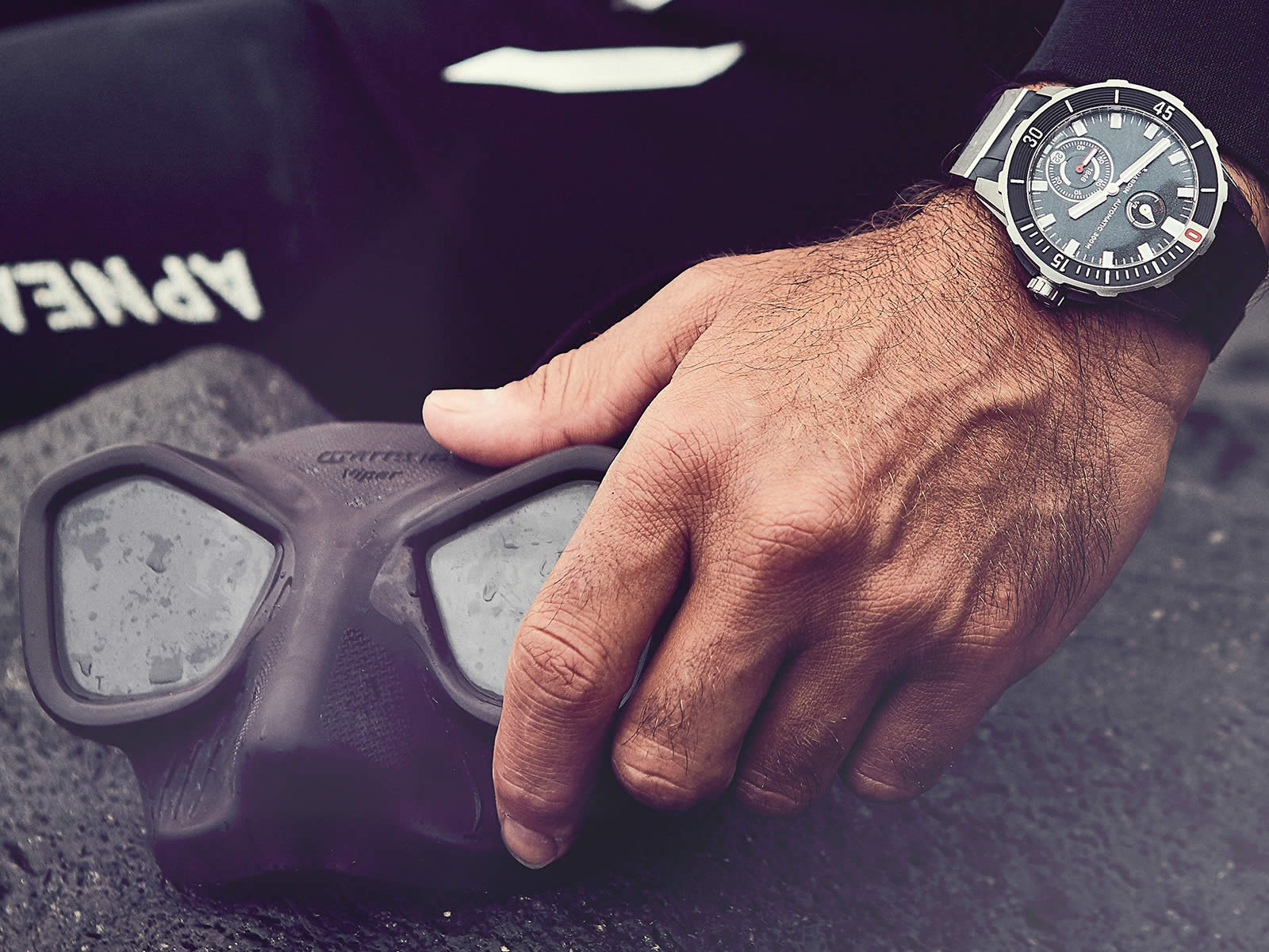 ulysse-nardin-diver-chronometer-2018-models-11-.jpg
