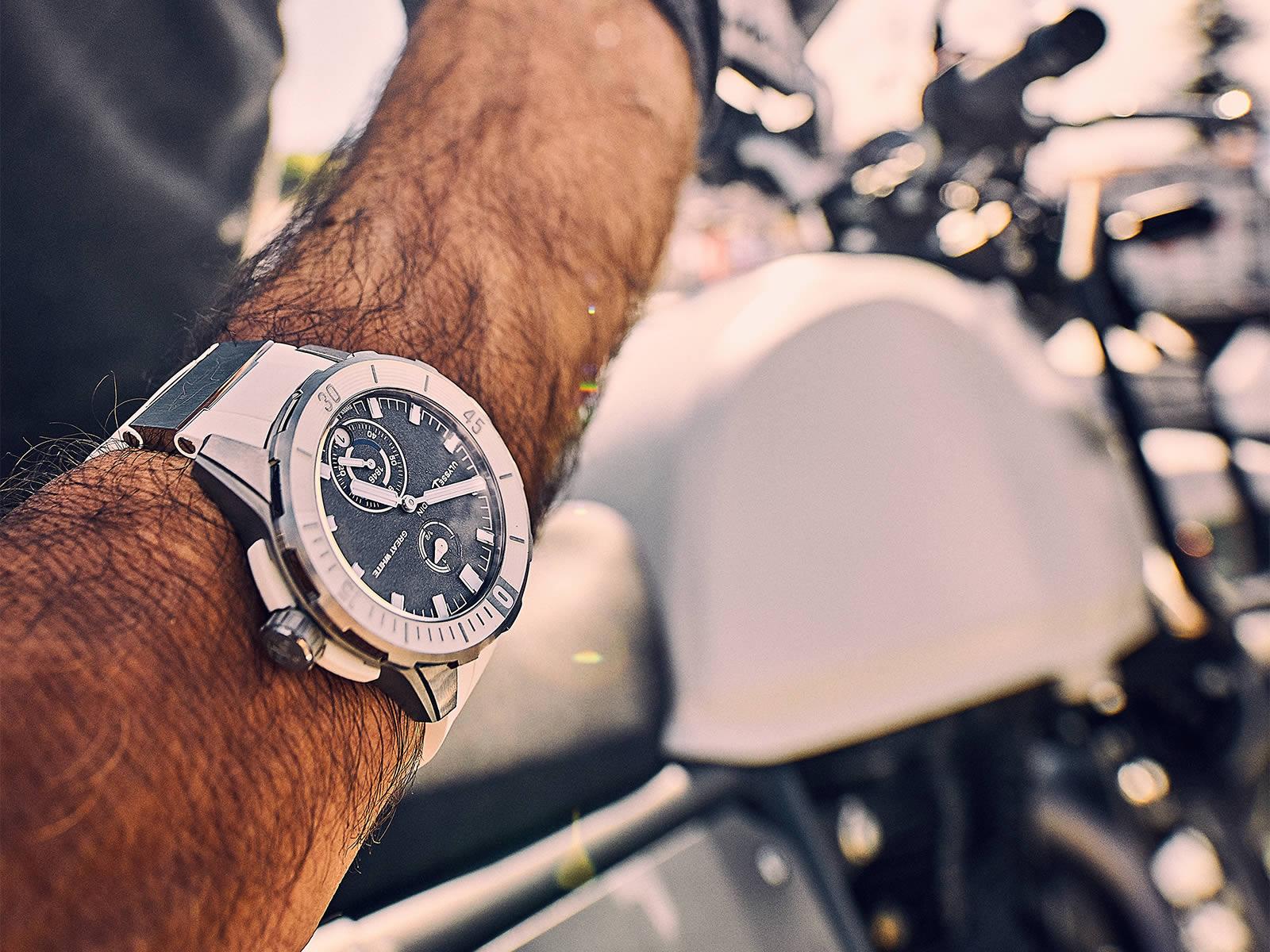 ulysse-nardin-diver-chronometer-2018-models-13-.jpg
