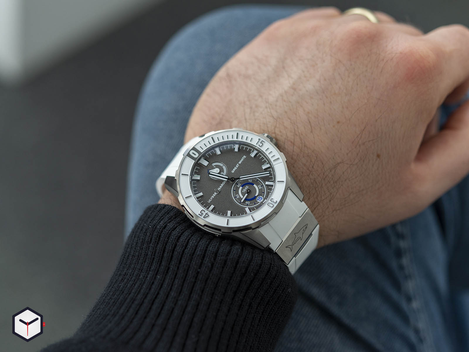 1183-170le-3-90-gw-ulysse-nardin-diver-chronometer-7.jpg