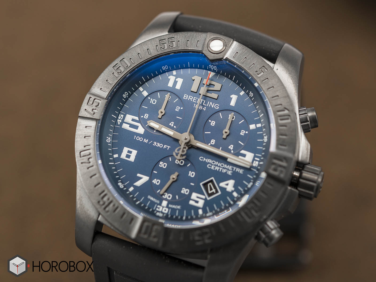 breitling-chronospace-evo-night-mission-2.jpg