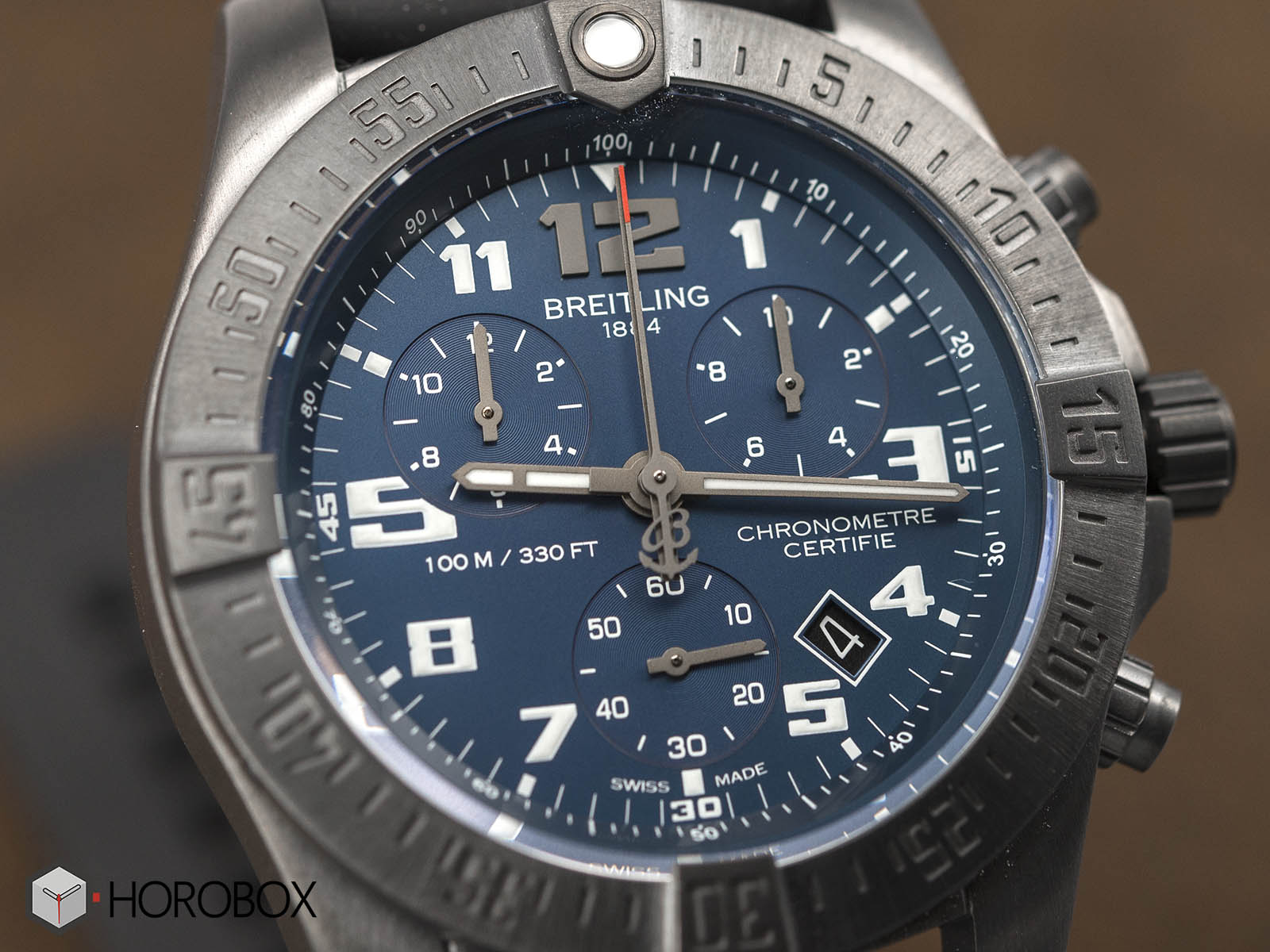 breitling-chronospace-evo-night-mission-3.jpg